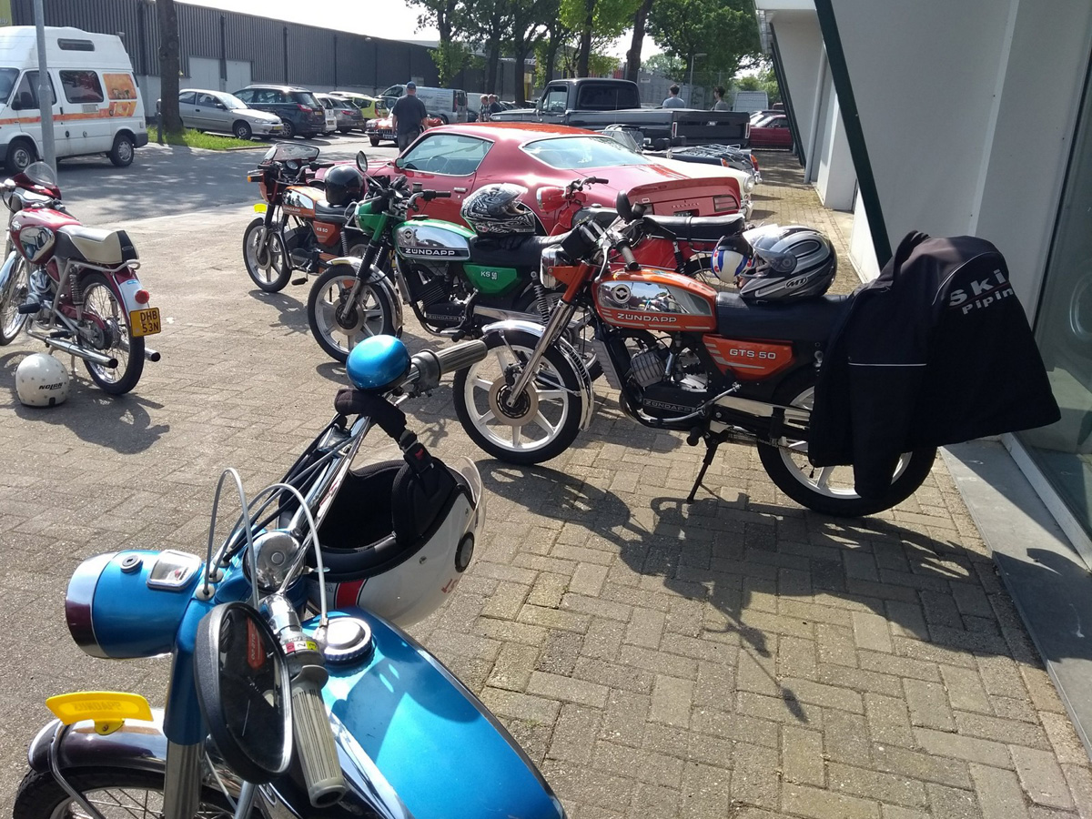 Cars en Coffee Leek - Foto 10