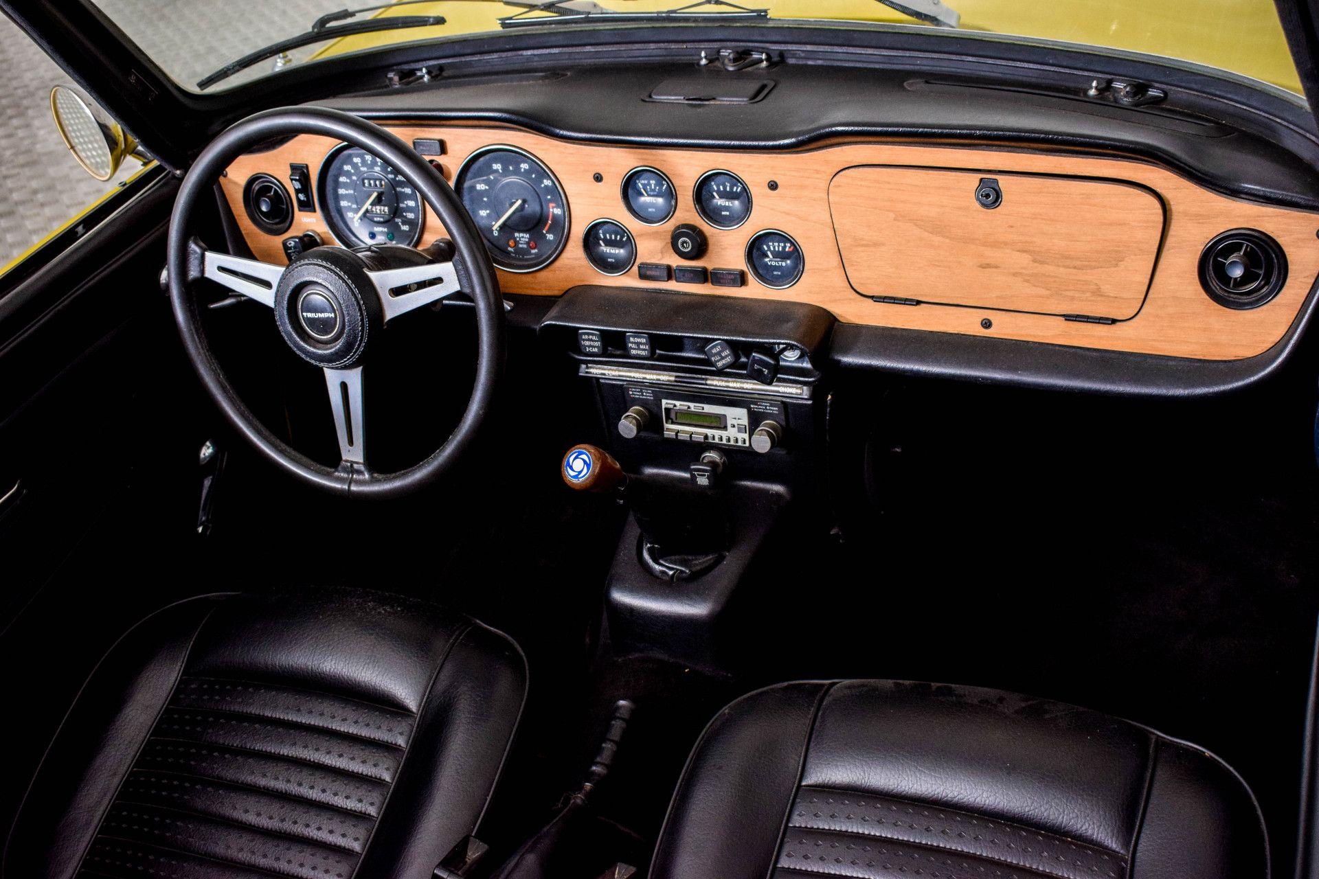Triumph TR6  Foto 7