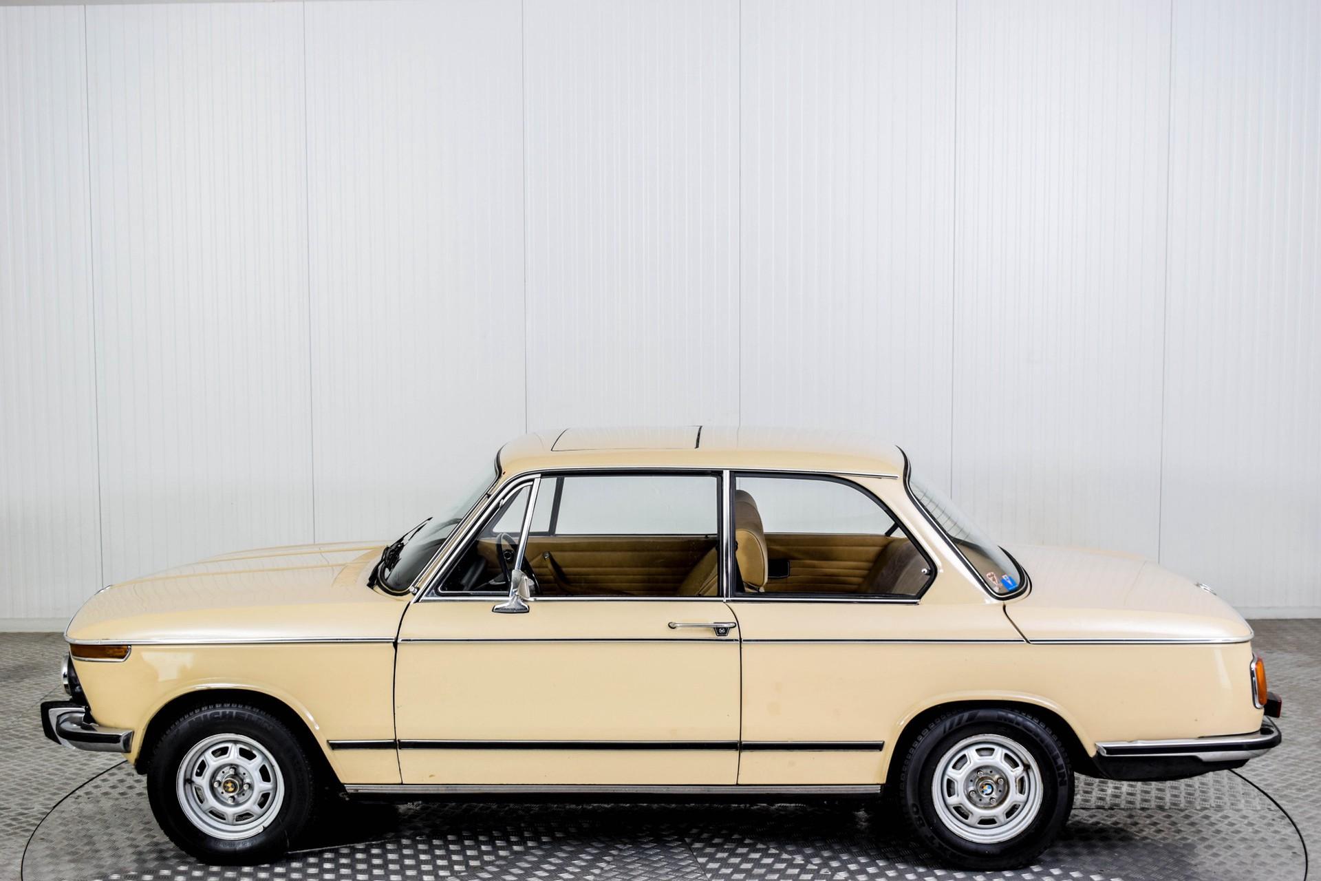 BMW 2002 Eerste eigenaar! Foto 42