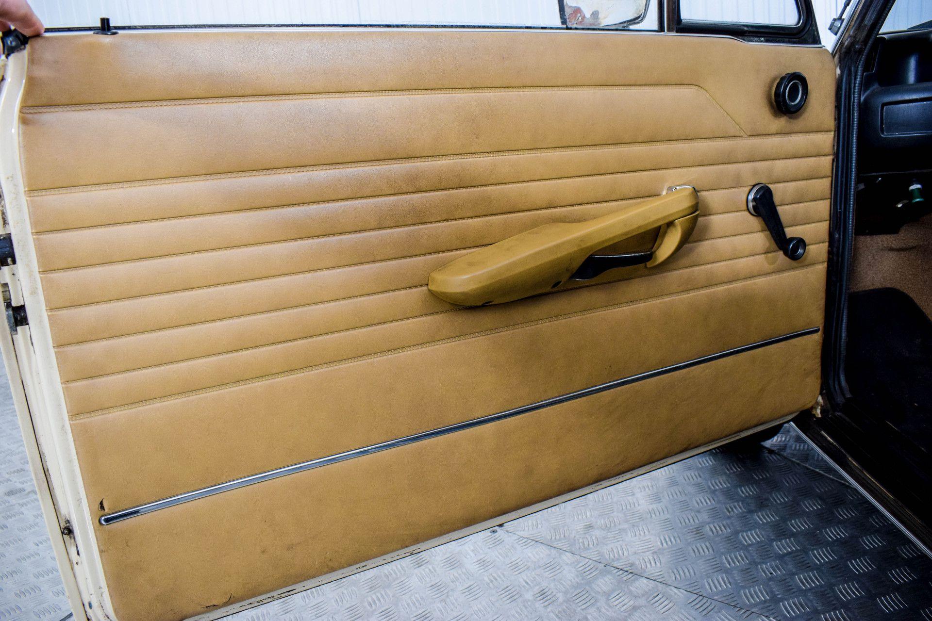 BMW 2002 Eerste eigenaar! Foto 48