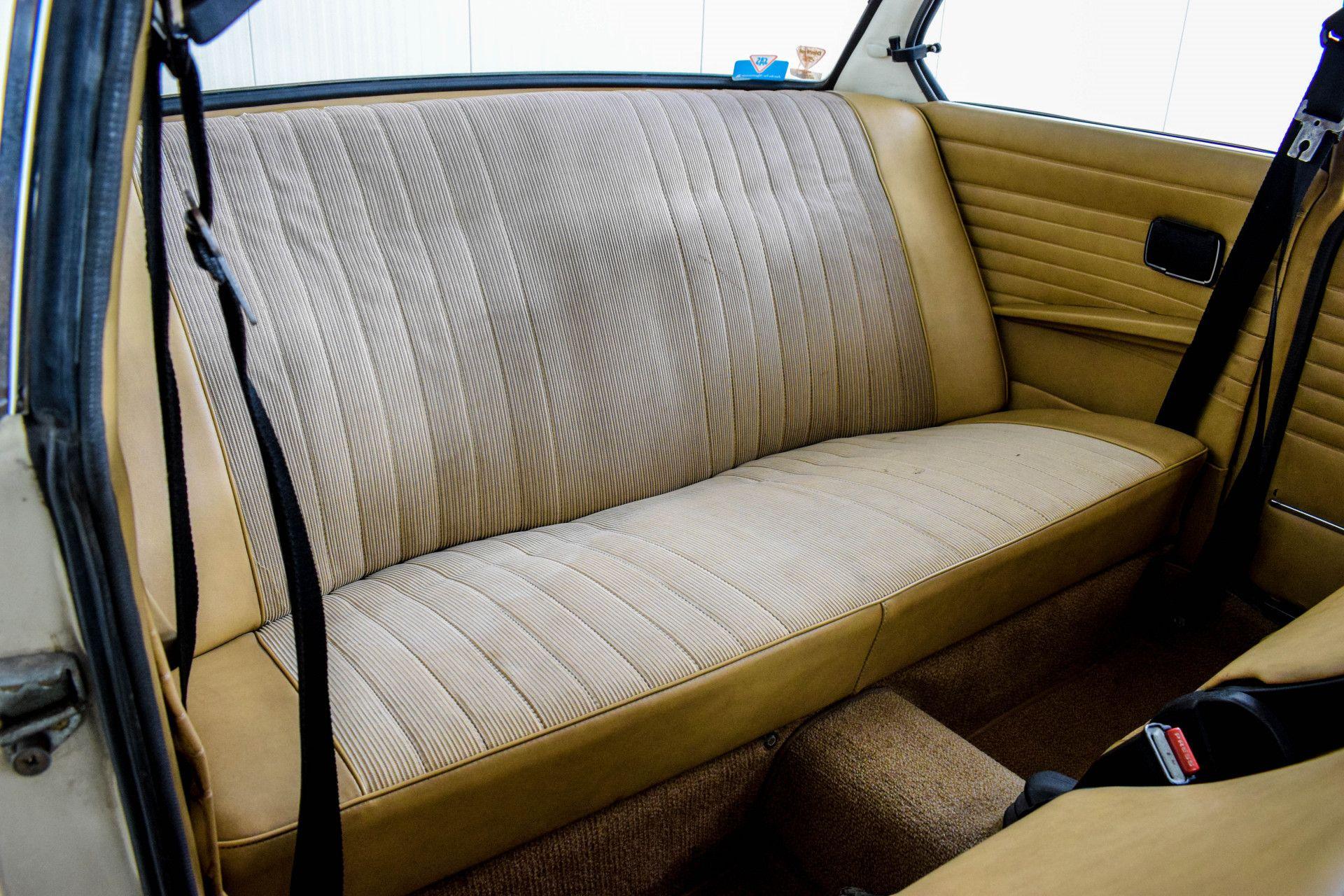 BMW 2002 Eerste eigenaar! Foto 6