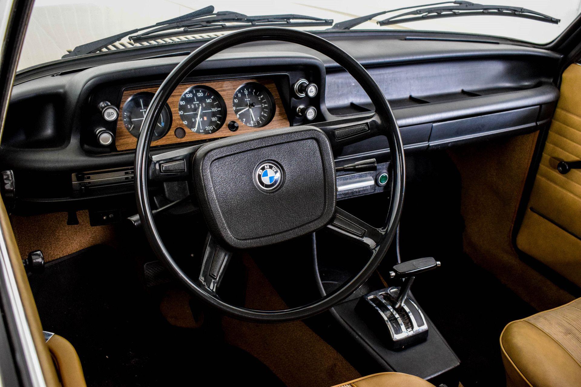 BMW 2002 Eerste eigenaar! Foto 7
