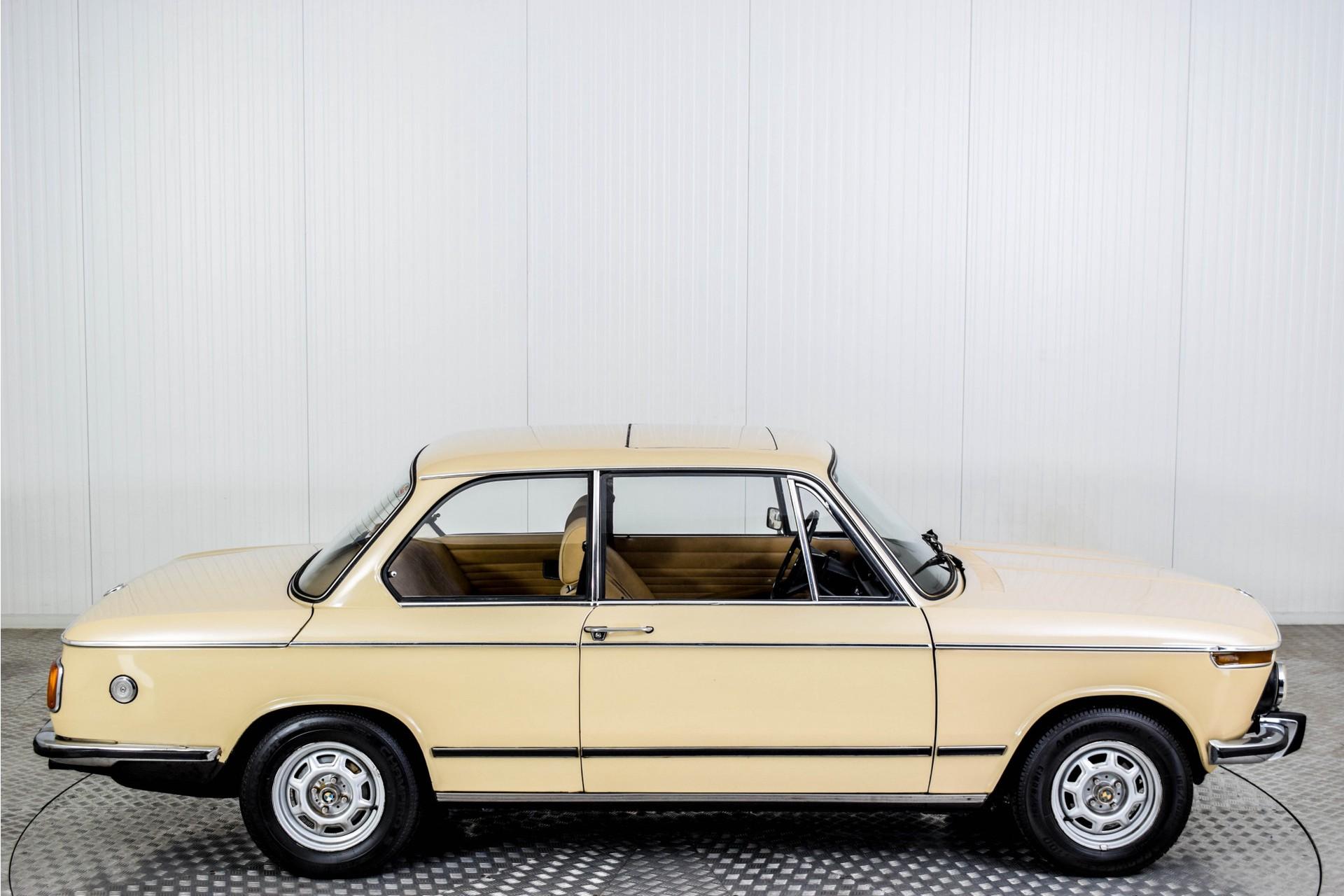 BMW 2002 Eerste eigenaar! Foto 8