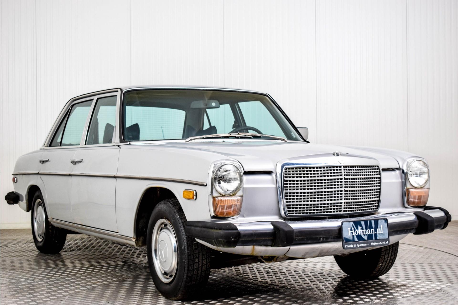 Mercedes-Benz 200-serie 240 D Foto 13