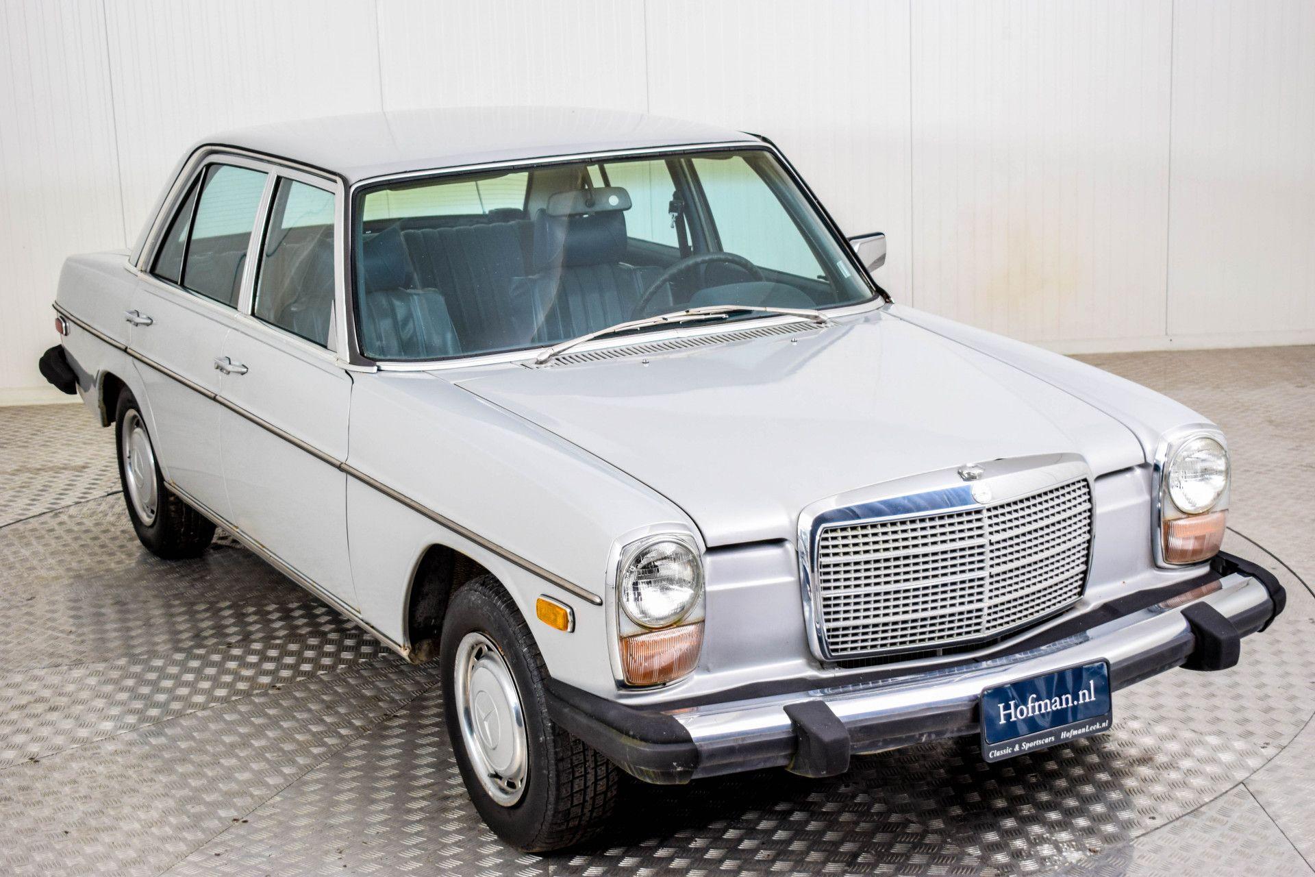 Mercedes-Benz 200-serie 240 D Foto 17