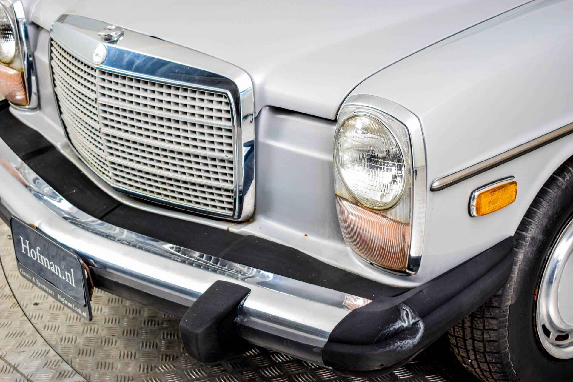 Mercedes-Benz 200-serie 240 D Foto 18
