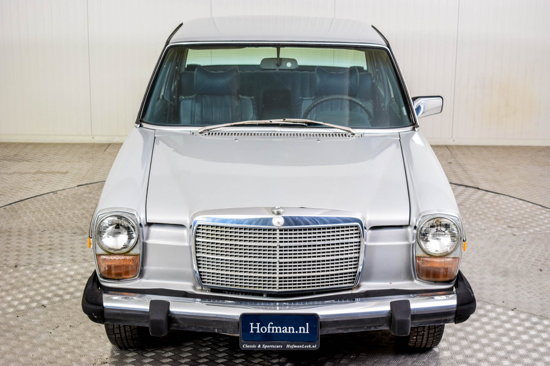 Mercedes-Benz 200-serie 240 D Foto 29