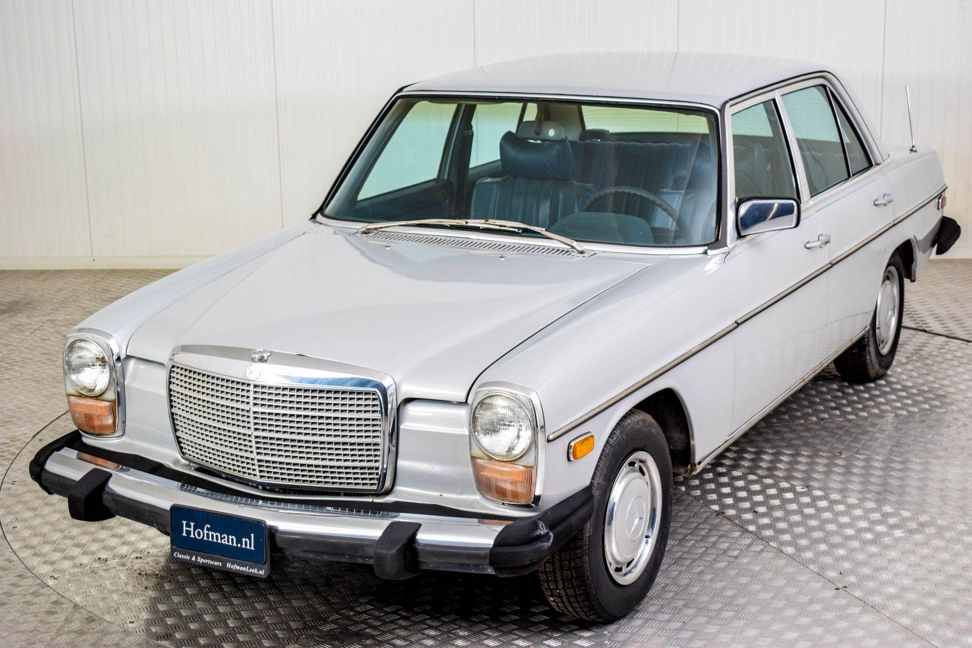 Mercedes-Benz 200-serie 240 D Foto 36