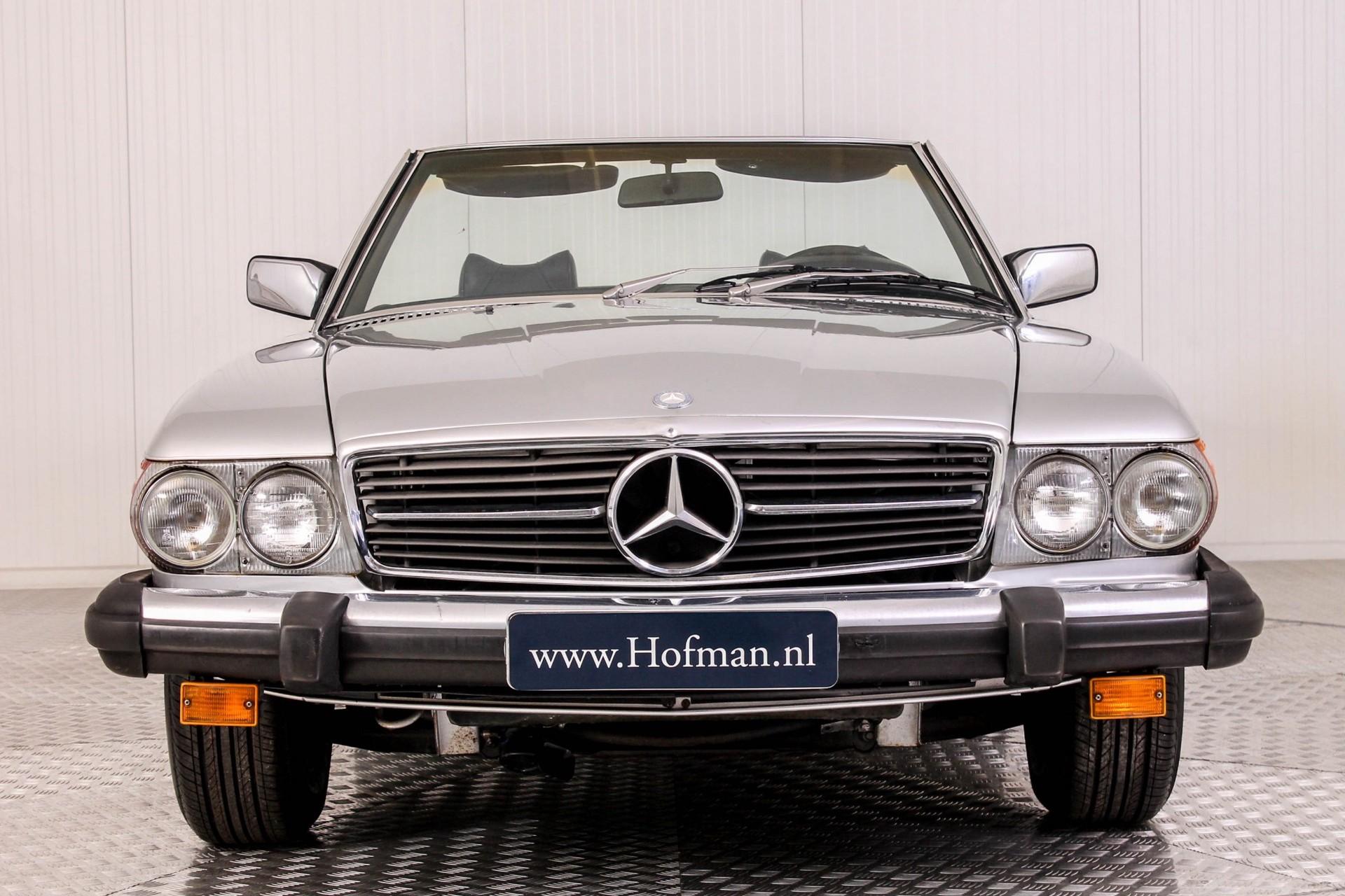 Mercedes-Benz SL-Klasse 450 SL roadster Foto 4