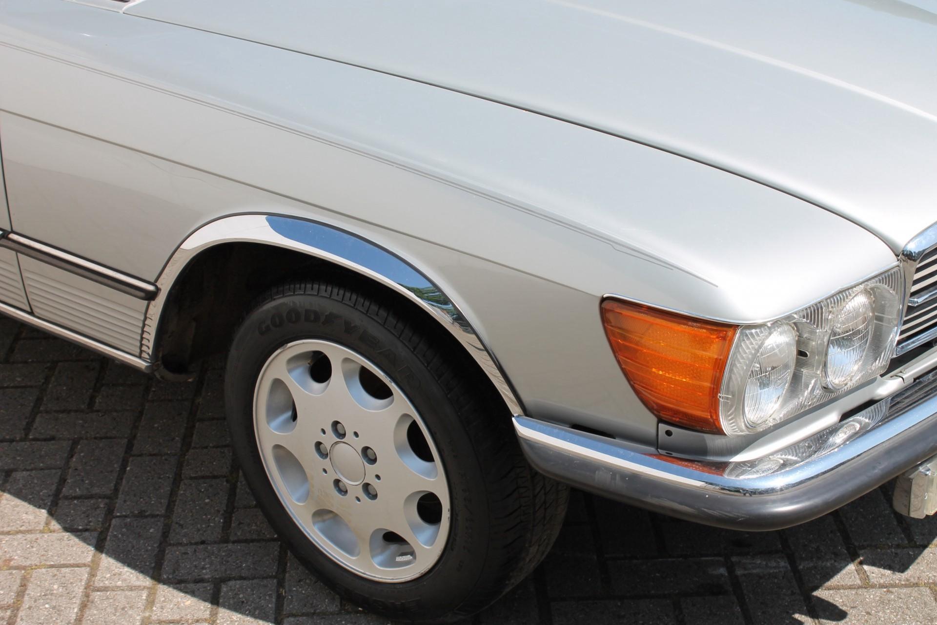 Mercedes-Benz SL-Klasse 450 SL Roadster Foto 20