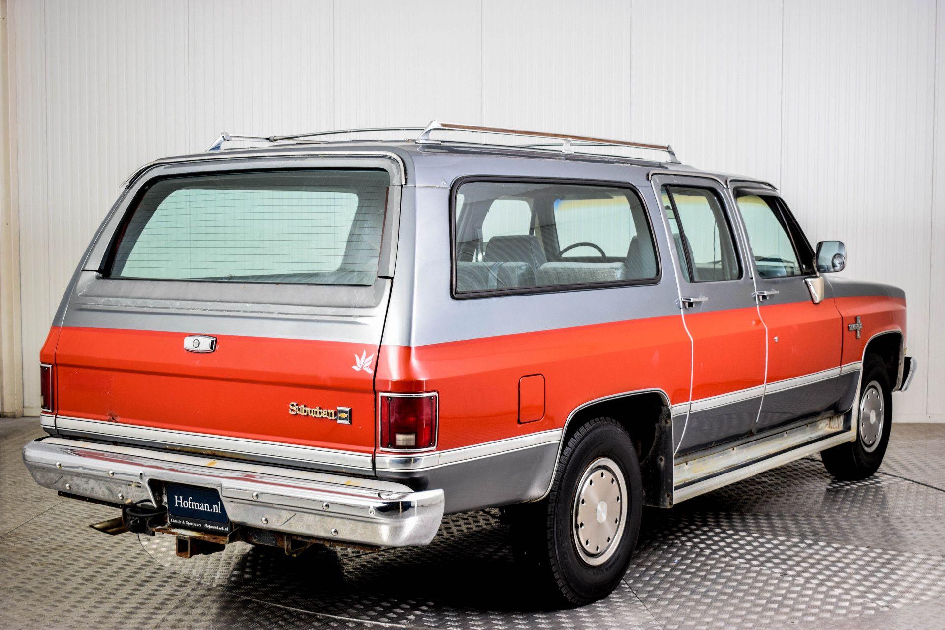 Chevrolet Silverado Suburban Foto 10