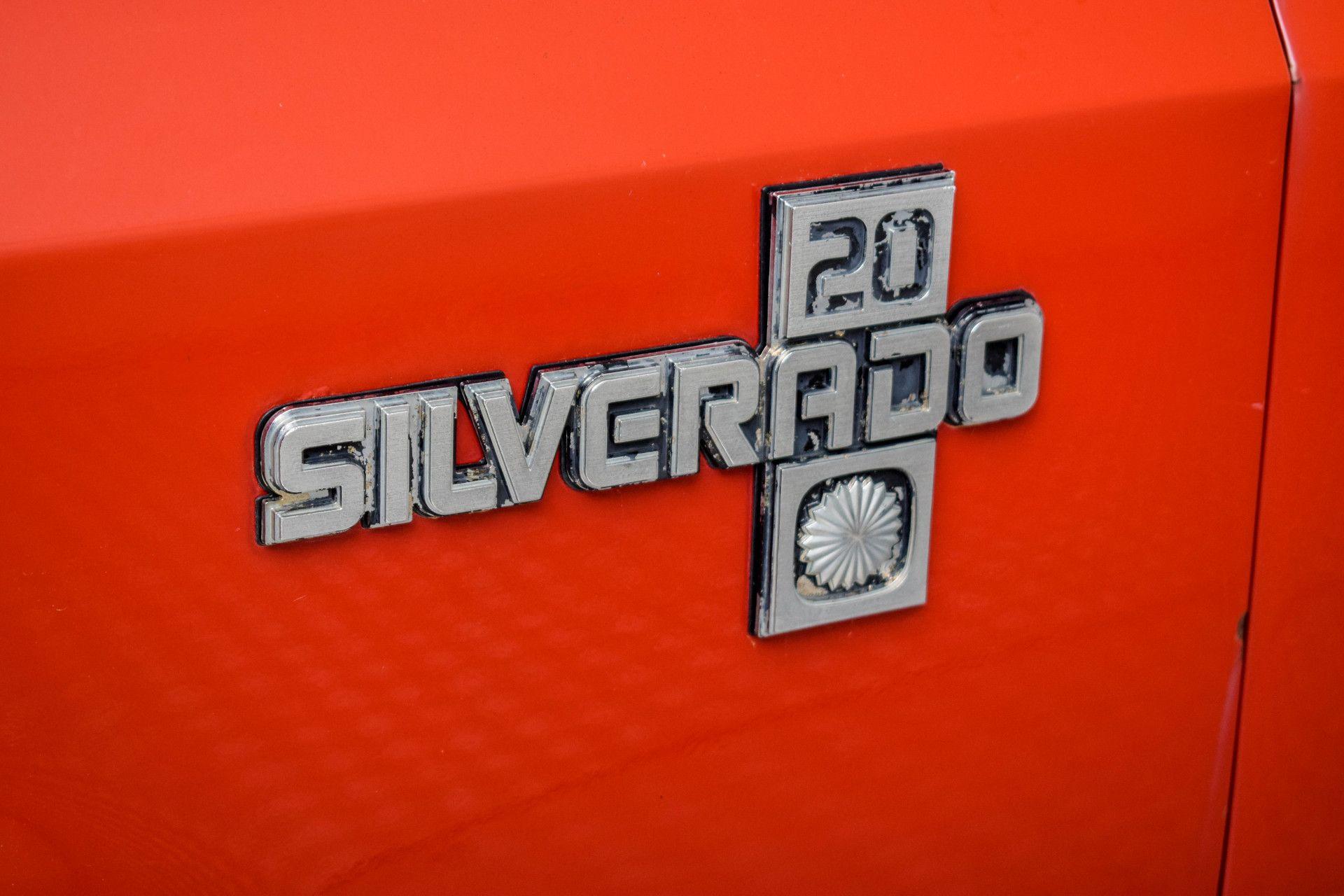 Chevrolet Silverado Suburban Foto 11