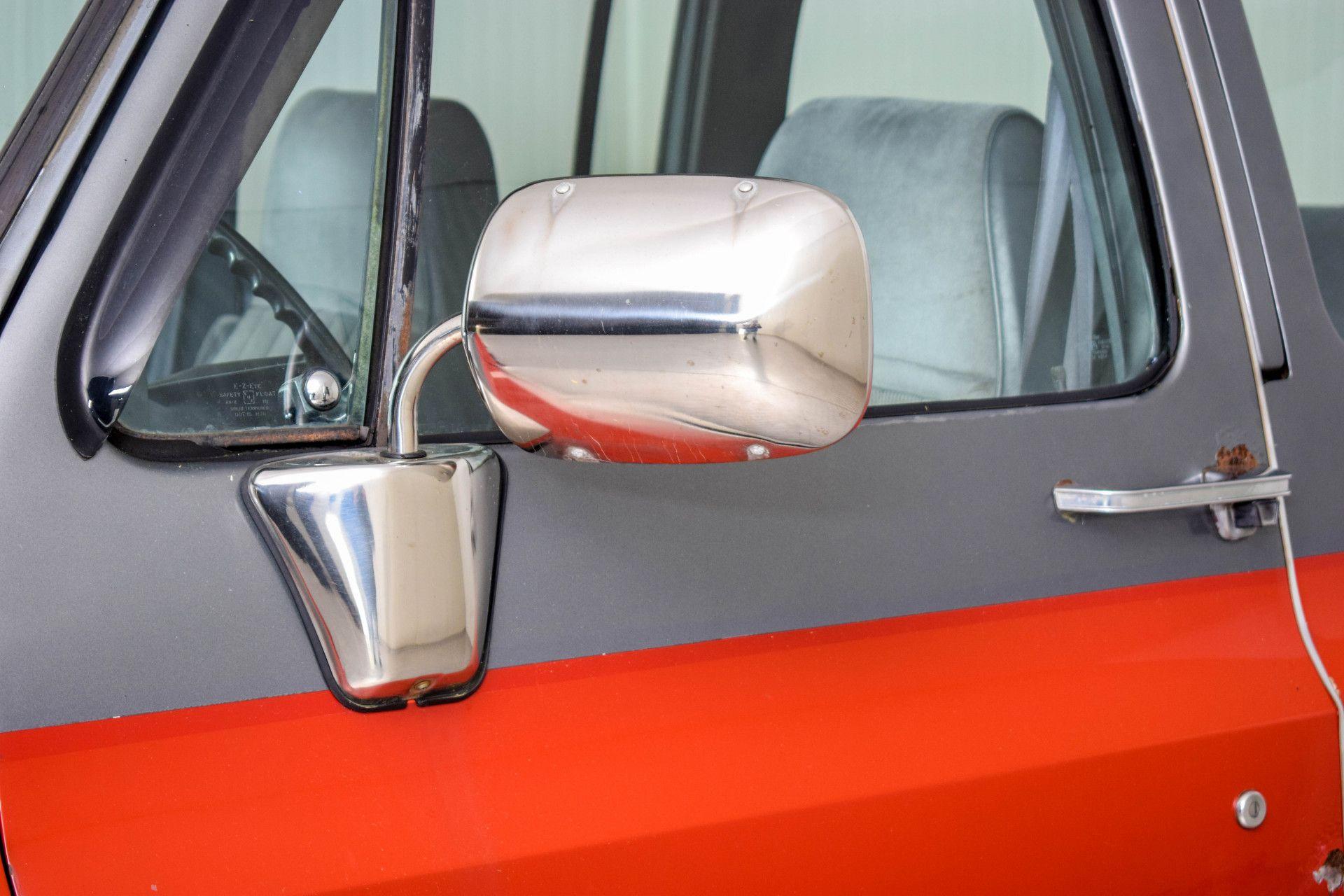 Chevrolet Silverado Suburban Foto 13
