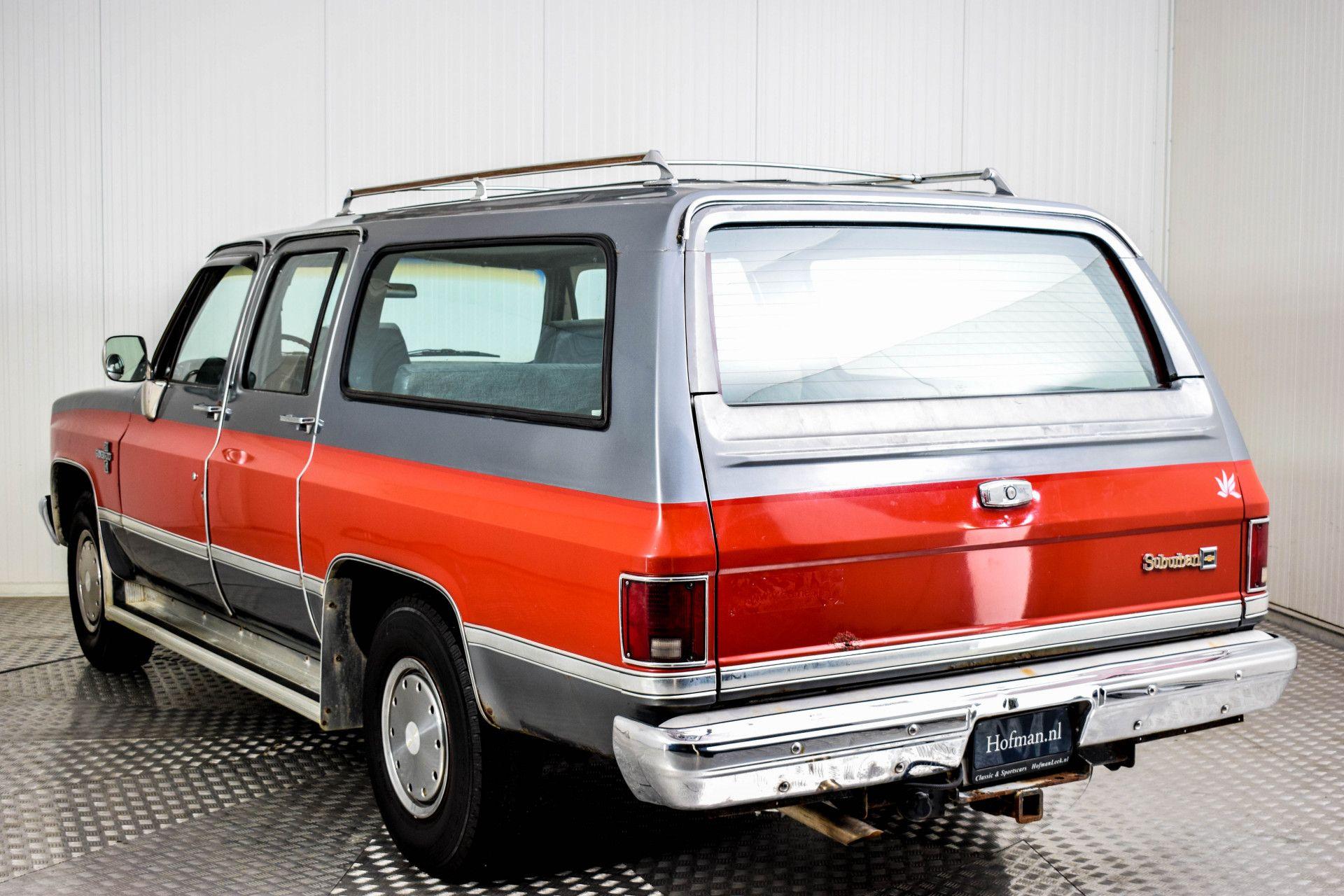 Chevrolet Silverado Suburban Foto 14