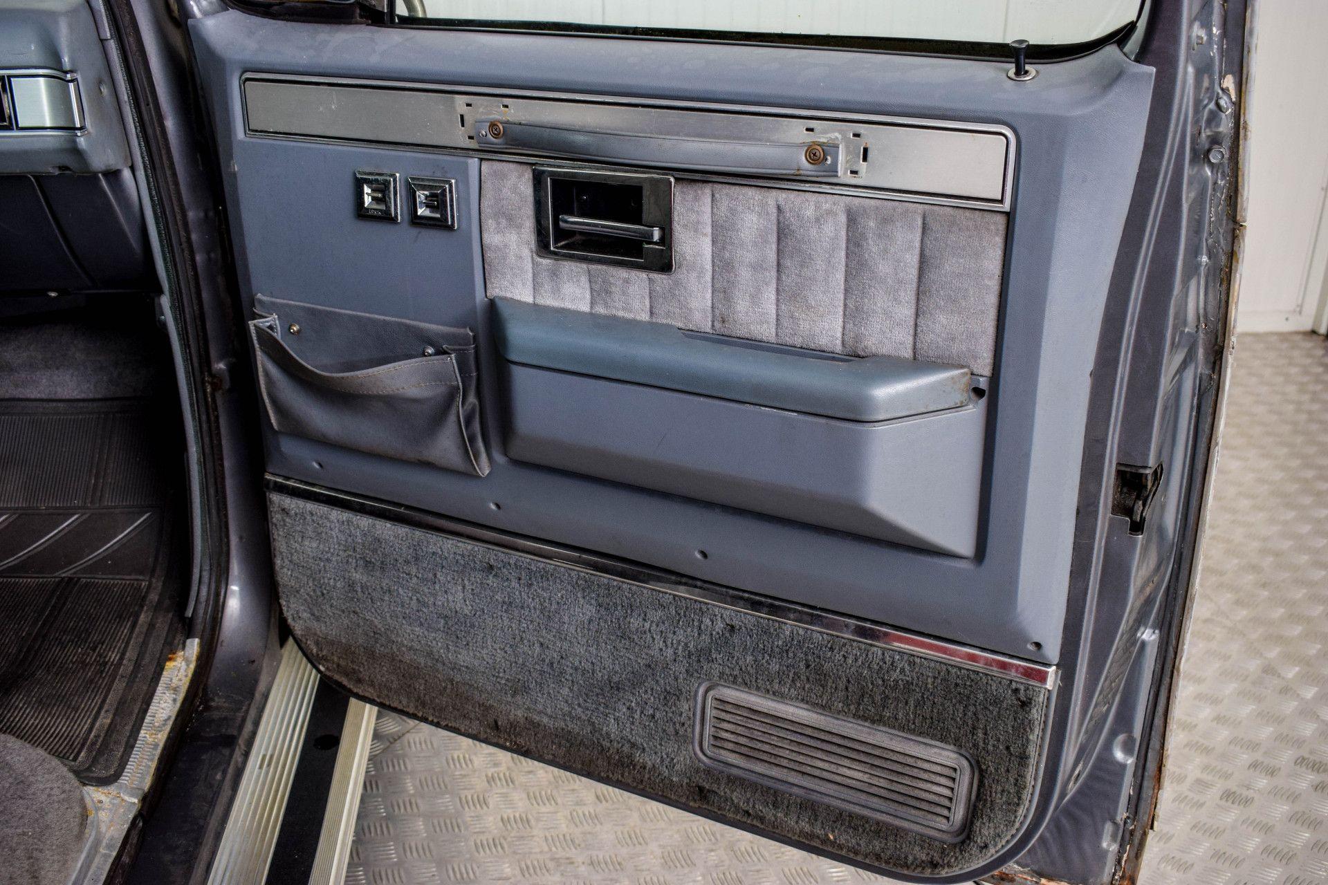 Chevrolet Silverado Suburban Foto 33