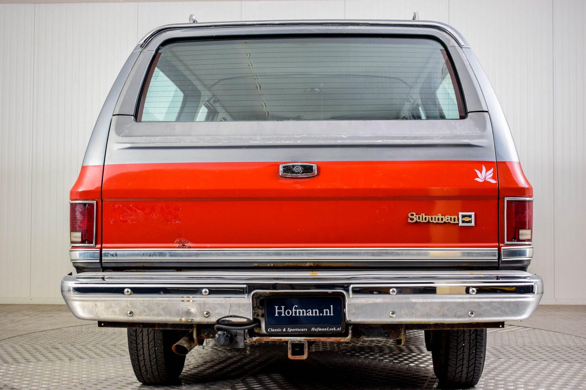 Chevrolet Silverado Suburban Foto 4