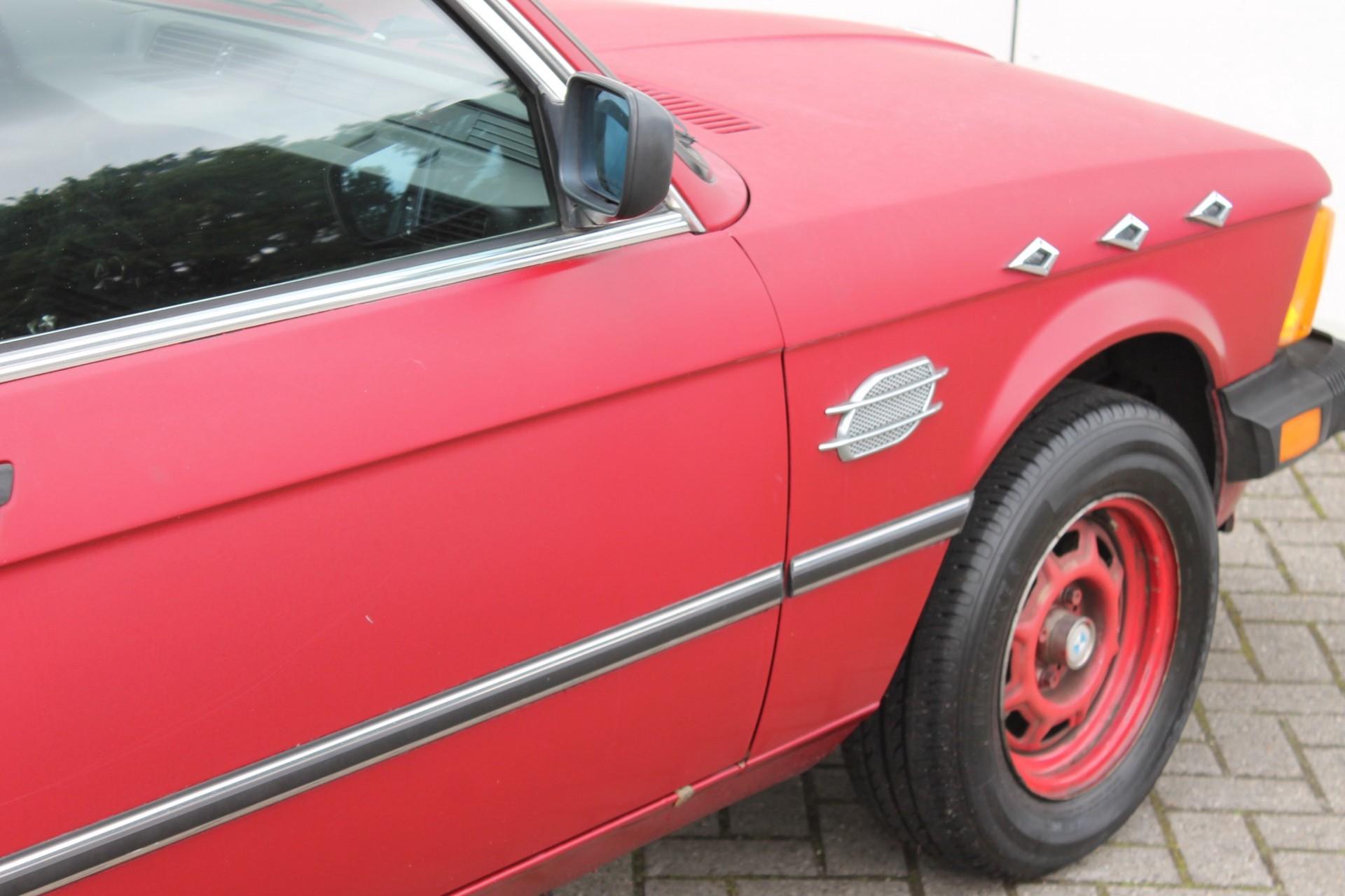 BMW 3 Serie 320i Foto 19