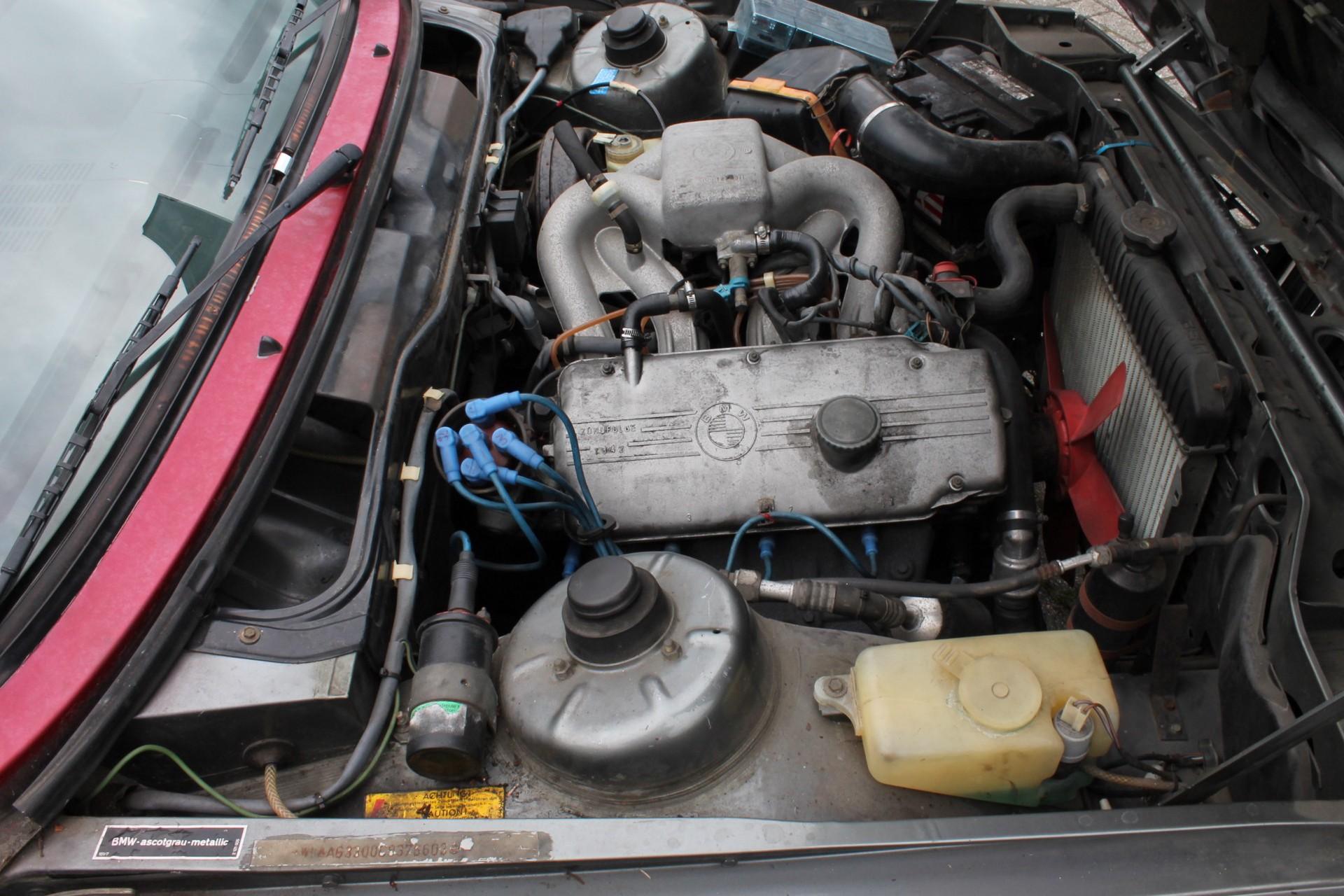 BMW 3 Serie 320i Foto 26