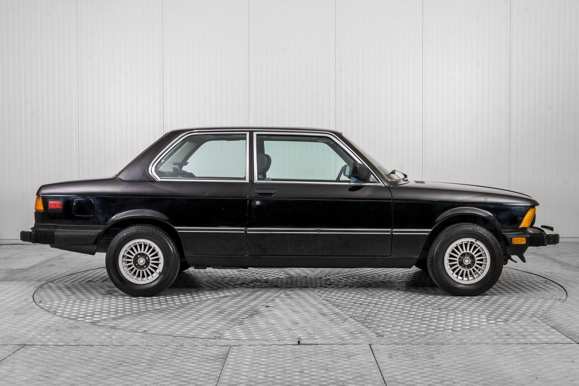 BMW 3 Serie 320i Foto 12