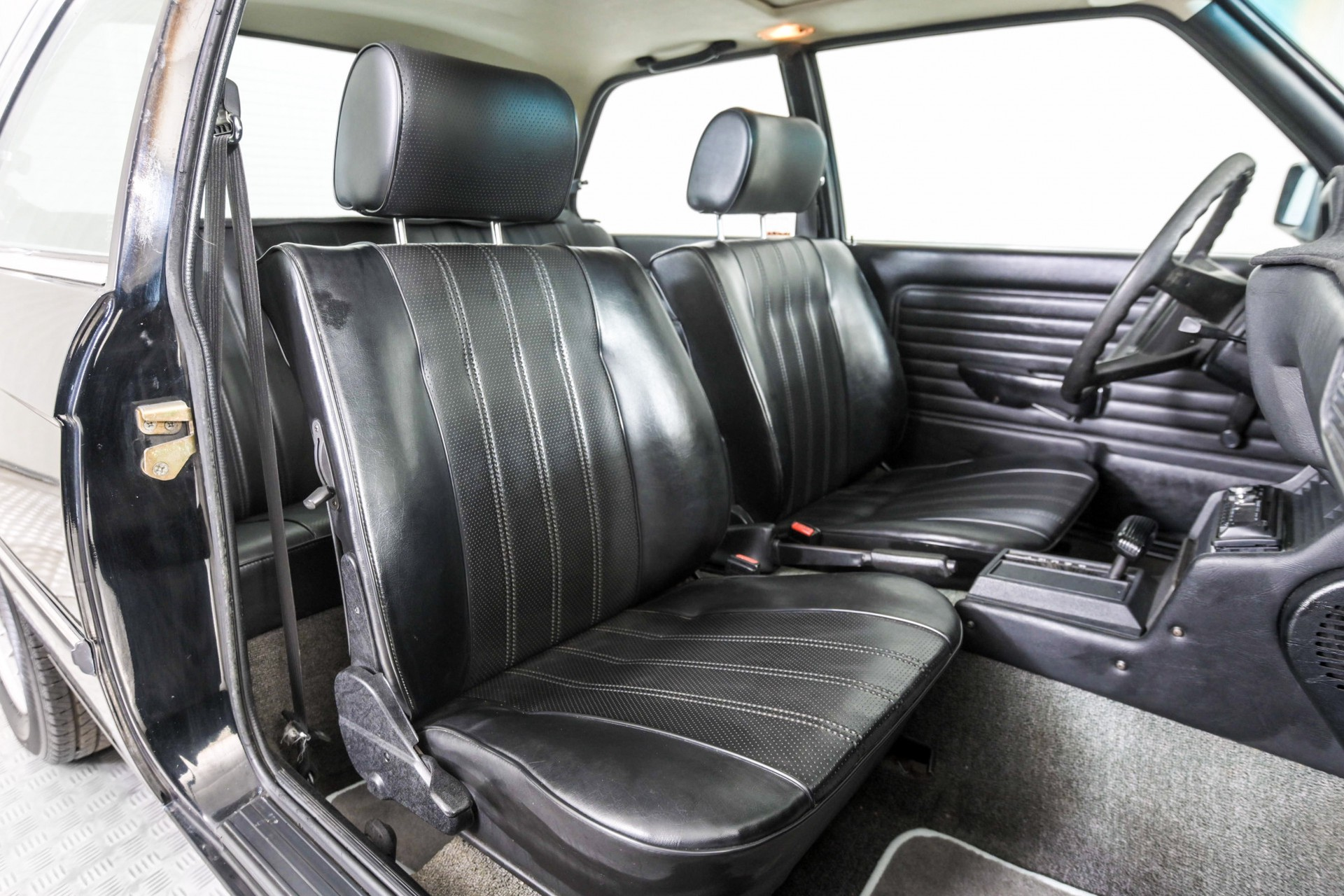 BMW 3 Serie 320i Foto 13