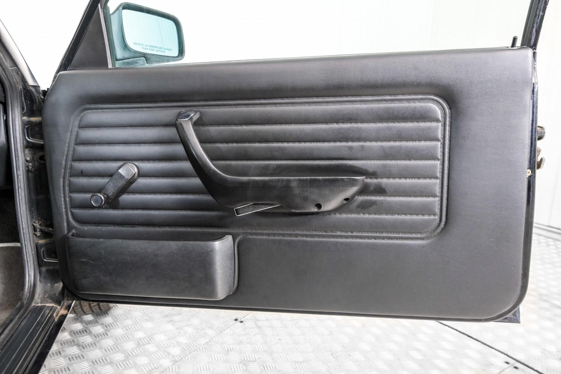 BMW 3 Serie 320i Foto 18
