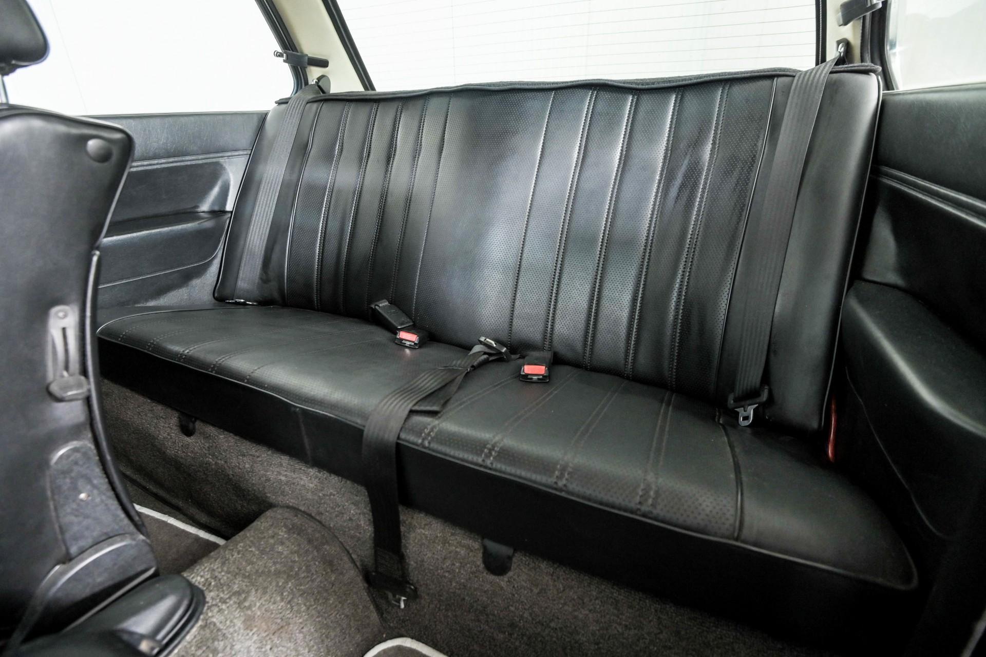 BMW 3 Serie 320i Foto 38