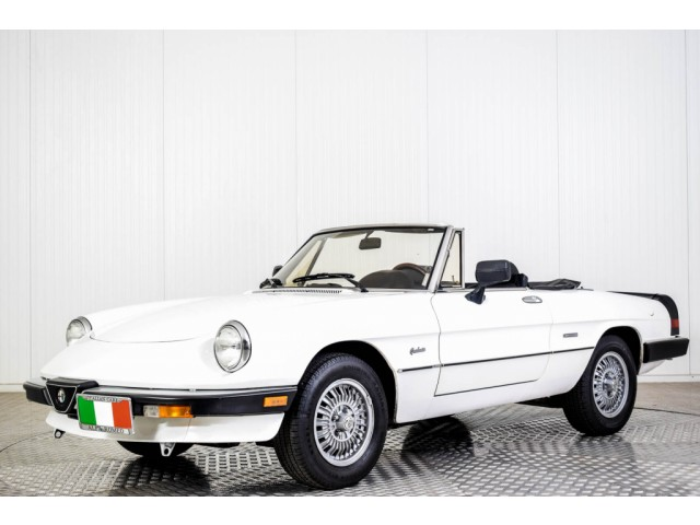 Alfa Romeo Spider Graduate Injection Foto 1