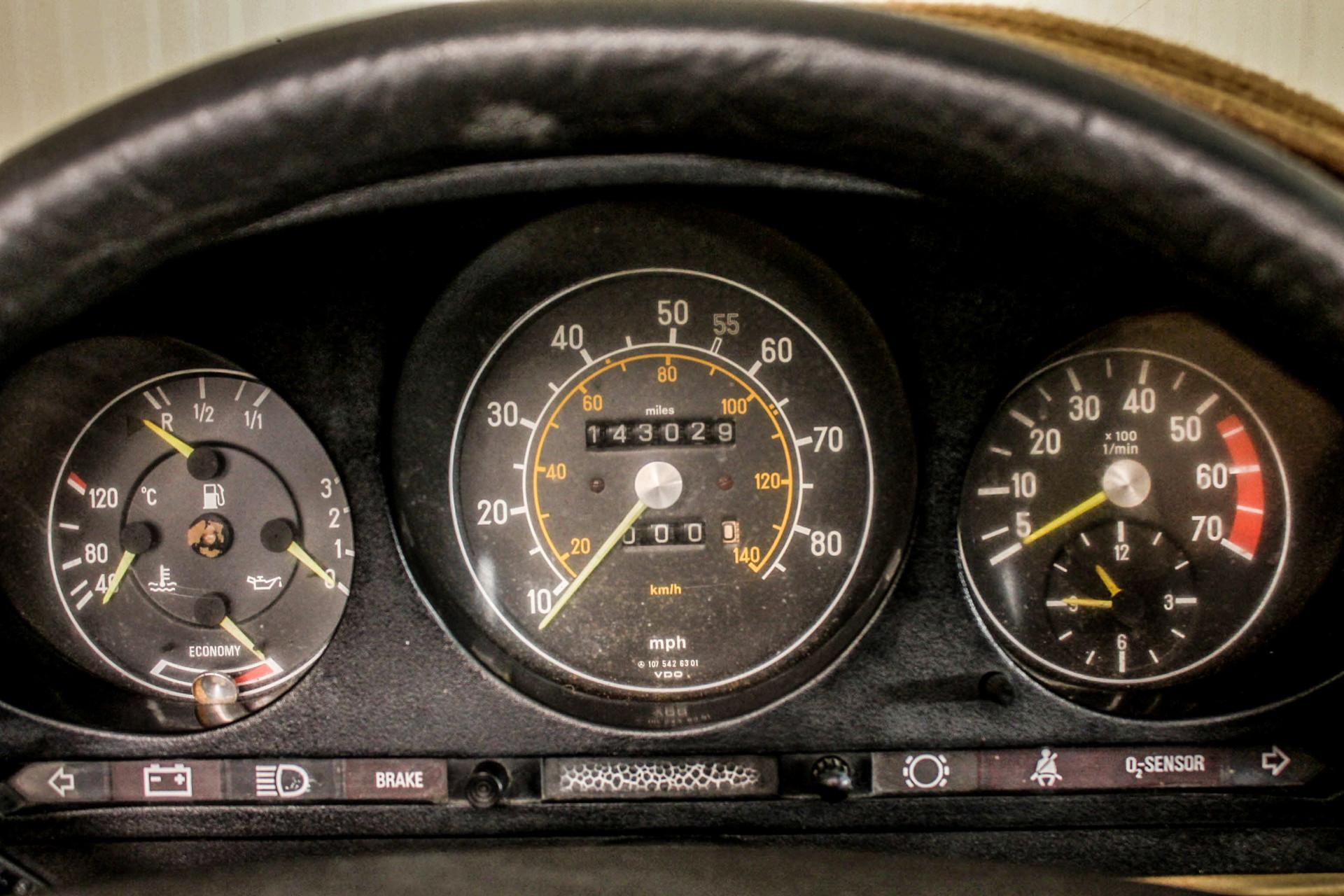 Mercedes-Benz SL-Klasse Roadster 380 SL Foto 29