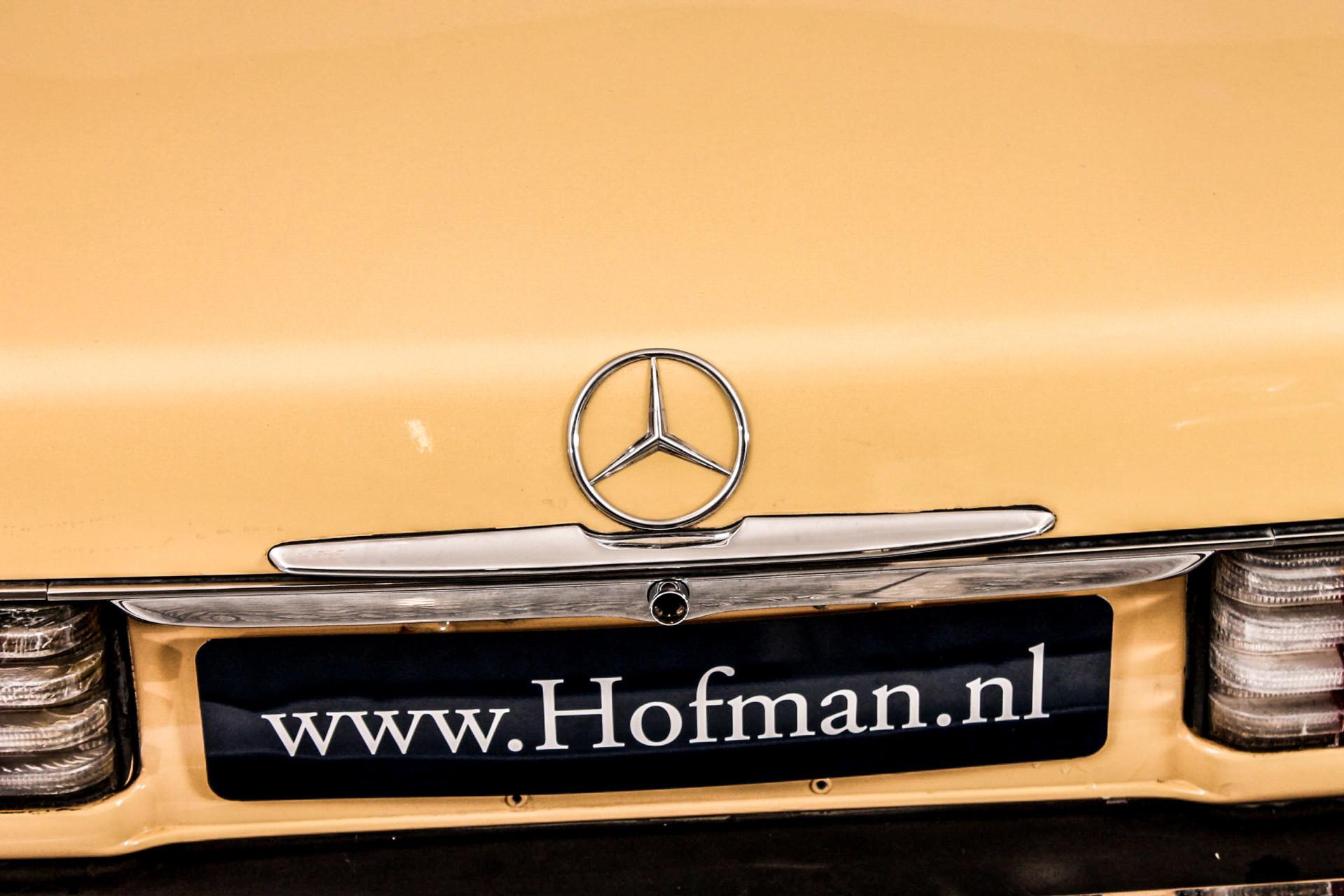 Mercedes-Benz SL-Klasse Roadster 380 SL Foto 4