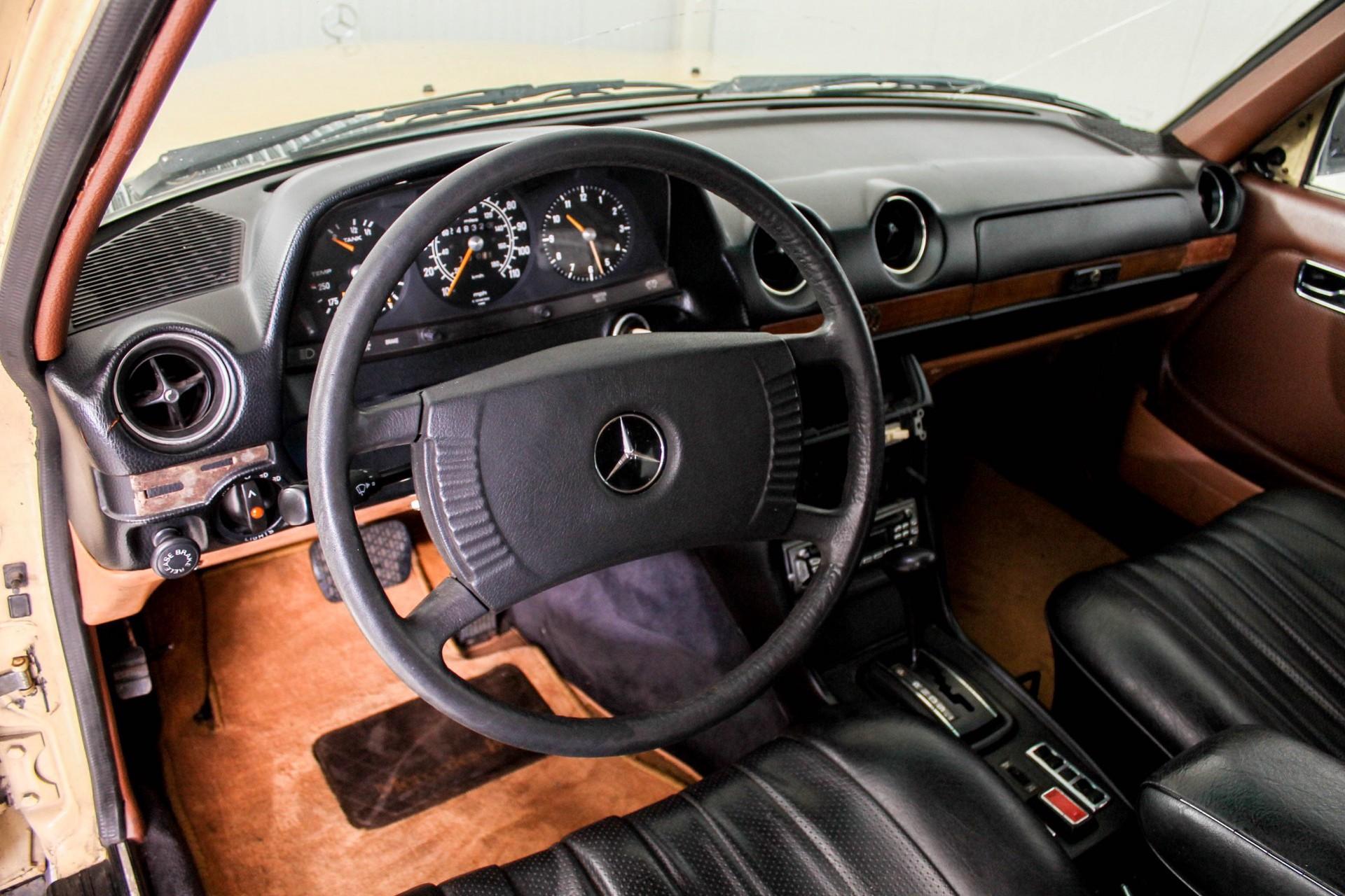 Mercedes-Benz 200-serie 300 TD Automaat Foto 20
