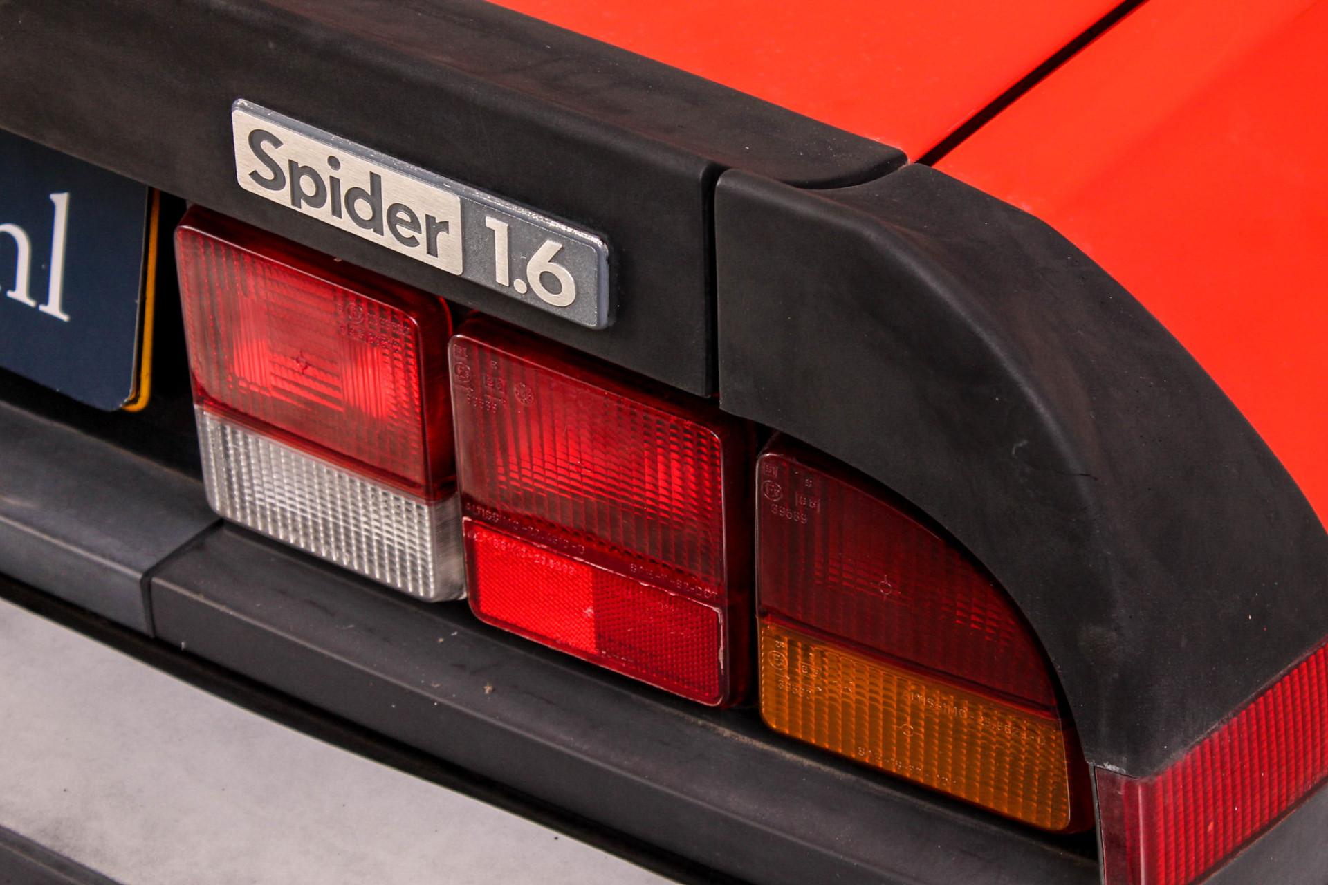 Alfa Romeo Spider 1600 Foto 10