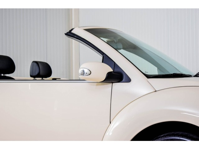 Volkswagen New Beetle Cabriolet 2.0 HIGHLINE Foto 31
