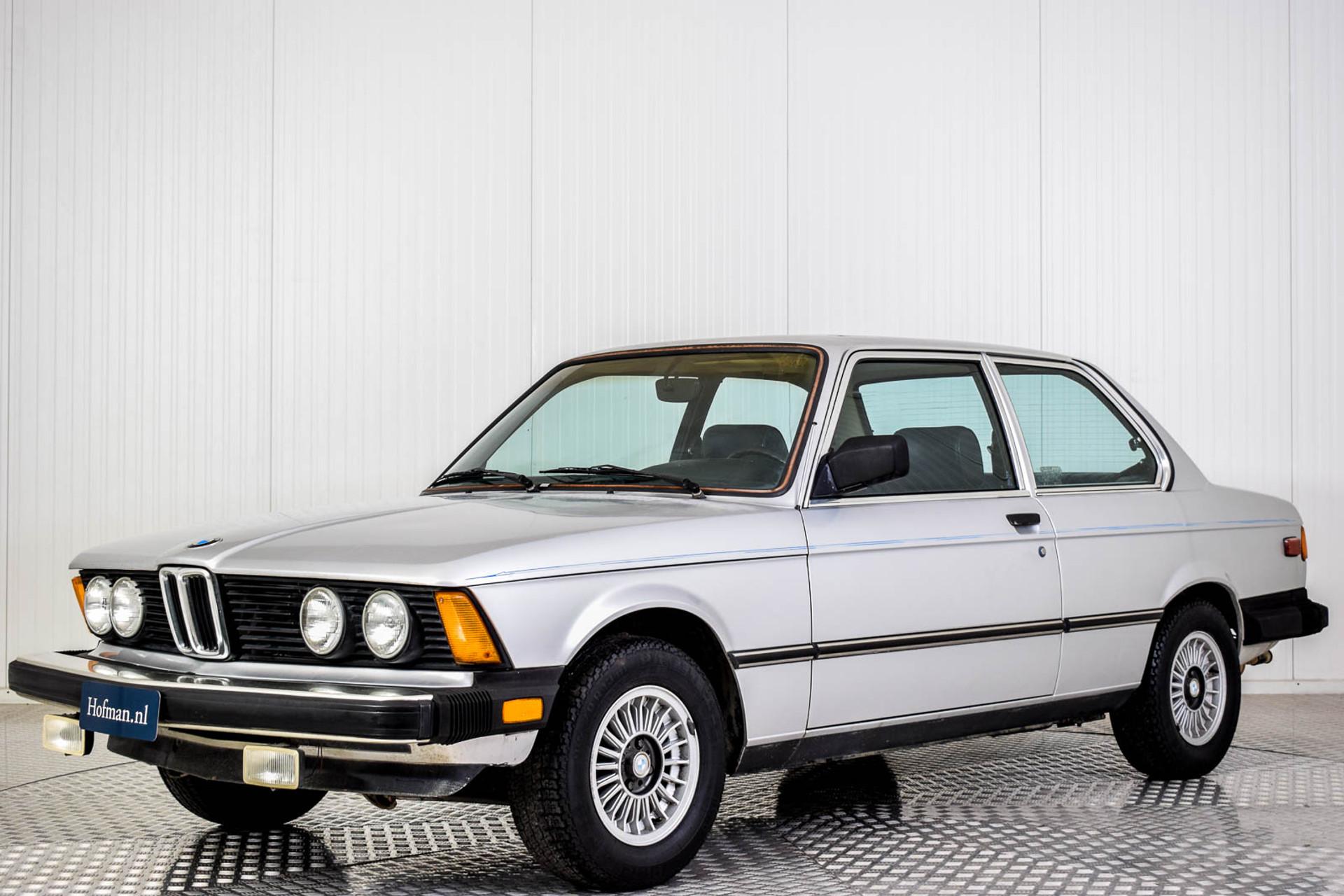 BMW 3 Serie 320i Foto 1
