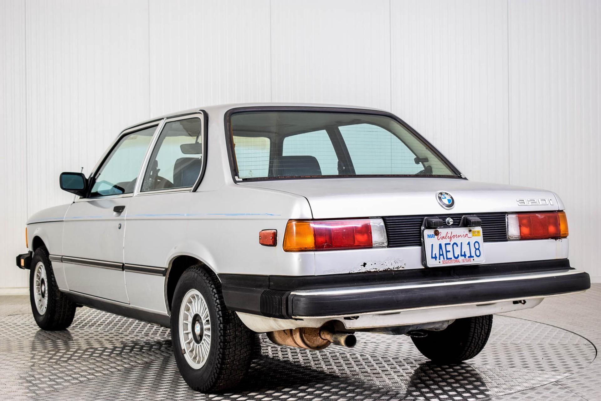 BMW 3 Serie 320i Foto 10