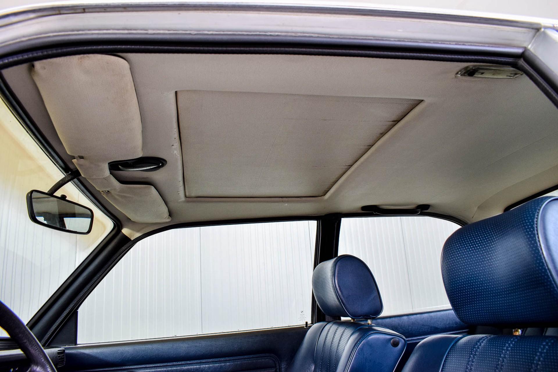 BMW 3 Serie 320i Foto 15