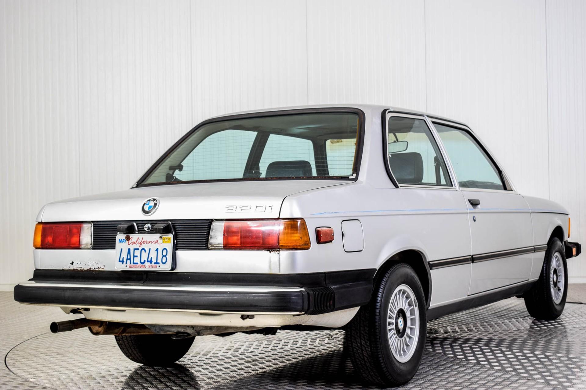 BMW 3 Serie 320i Foto 21