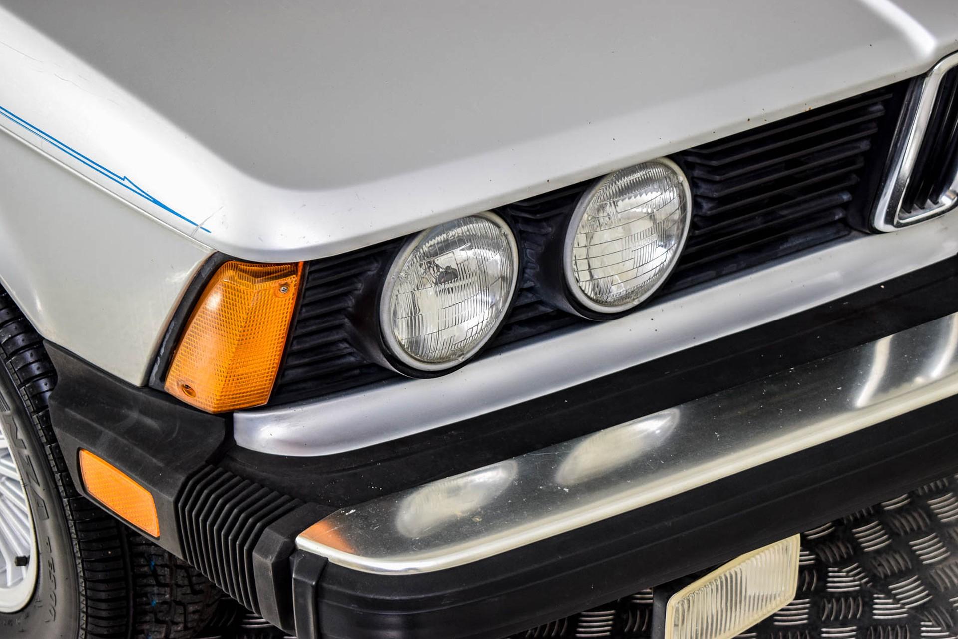 BMW 3 Serie 320i Foto 28