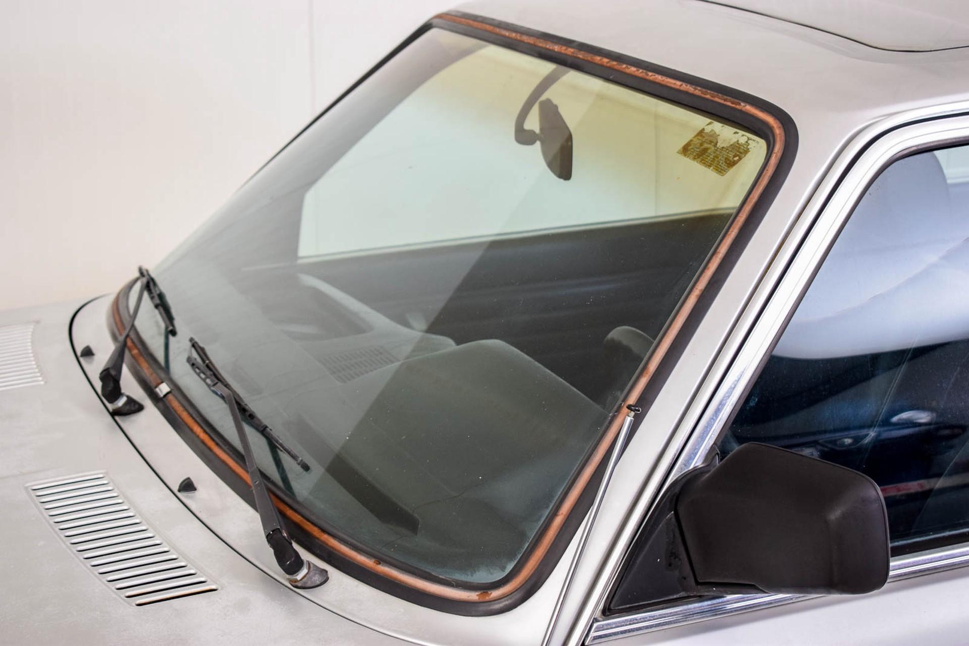 BMW 3 Serie 320i Foto 31