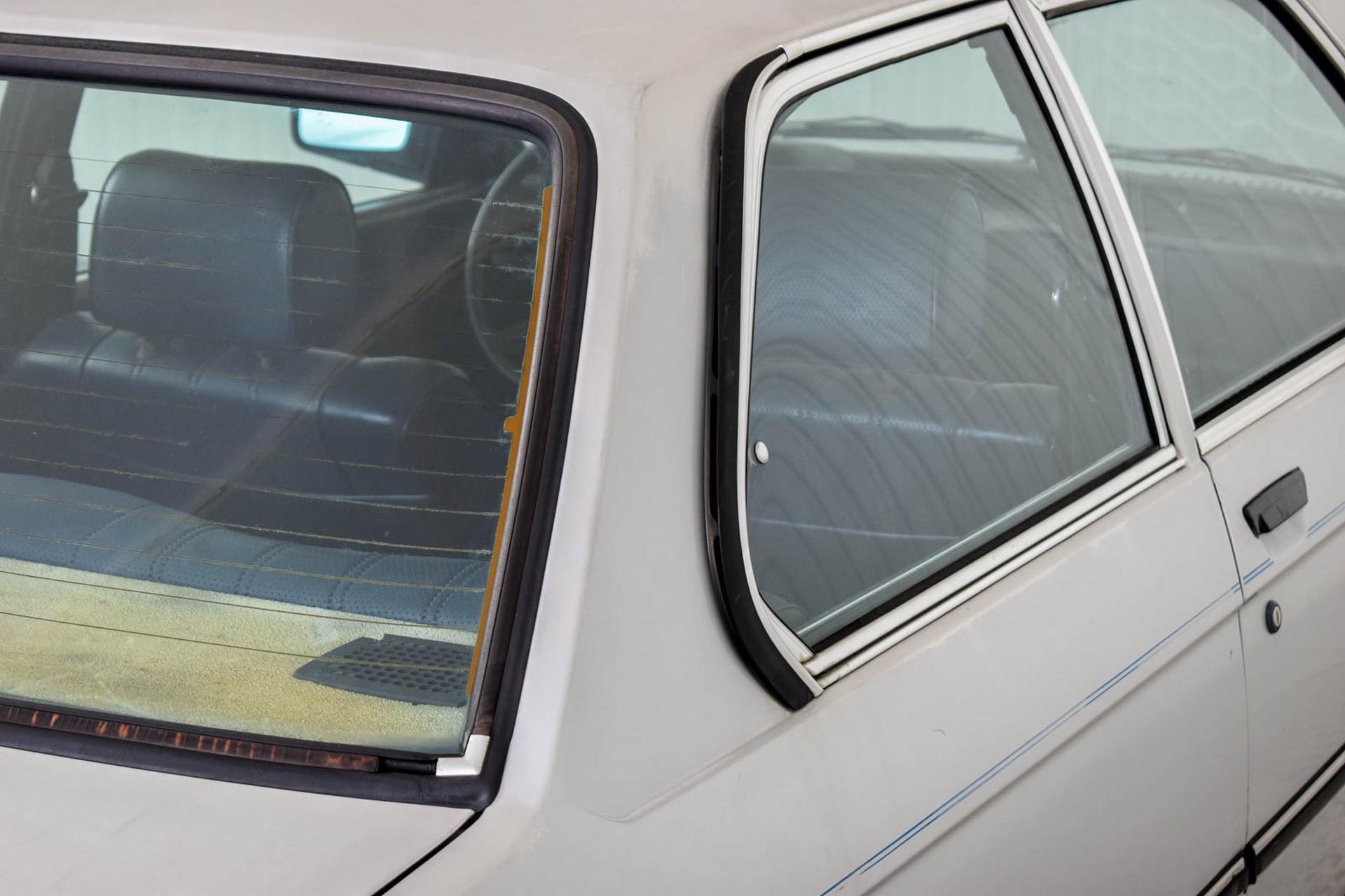 BMW 3 Serie 320i Foto 37