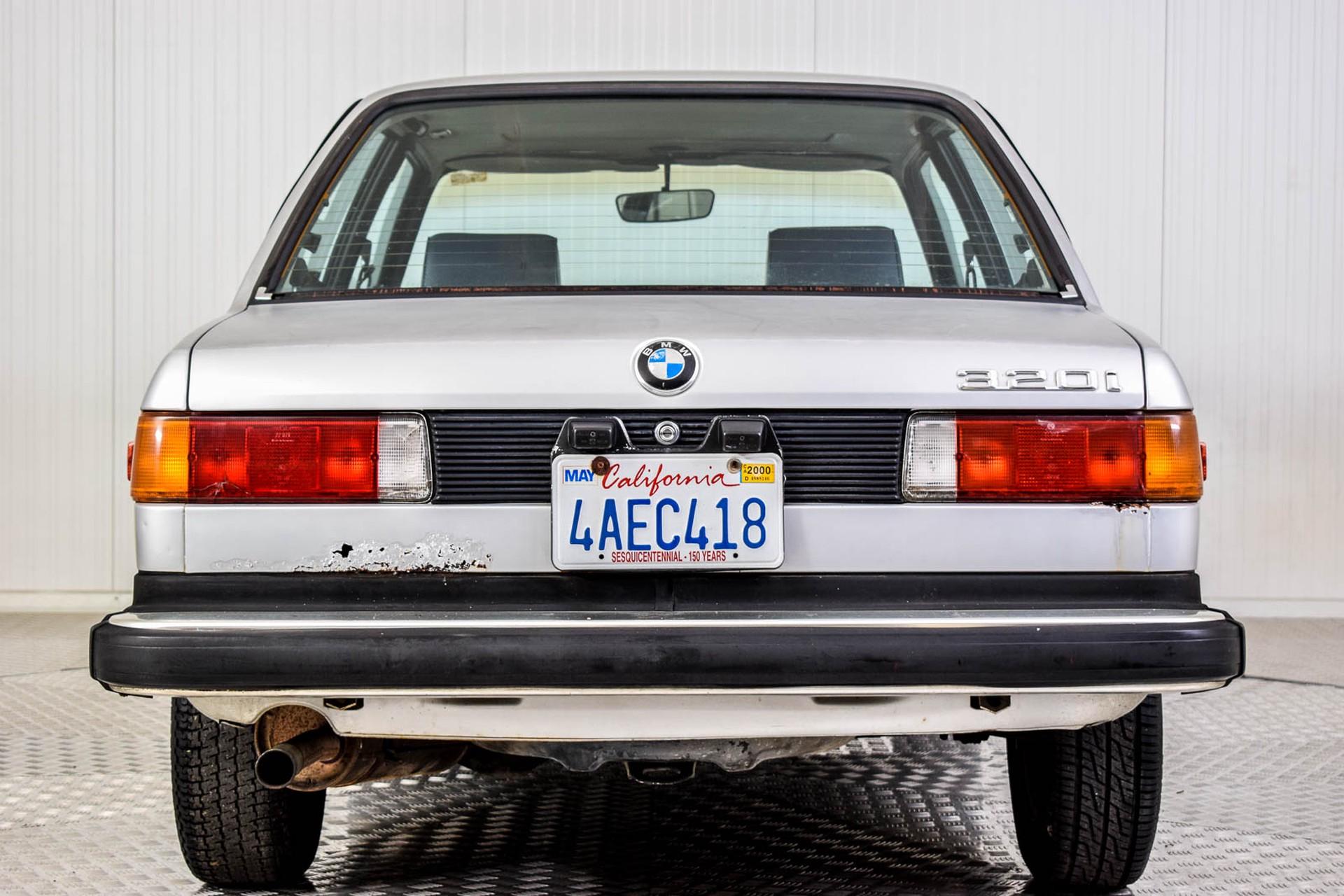 BMW 3 Serie 320i Foto 4