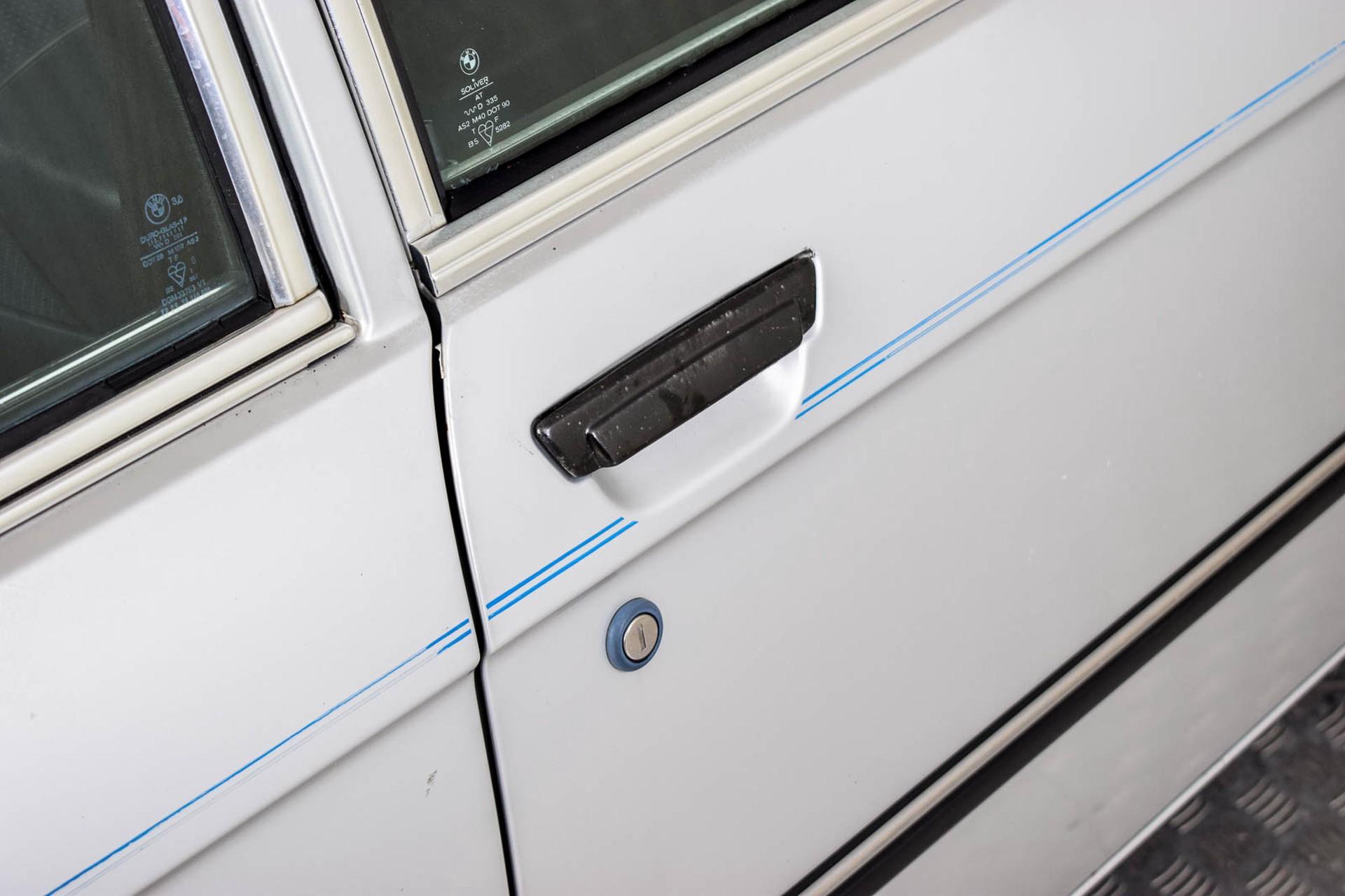 BMW 3 Serie 320i Foto 42