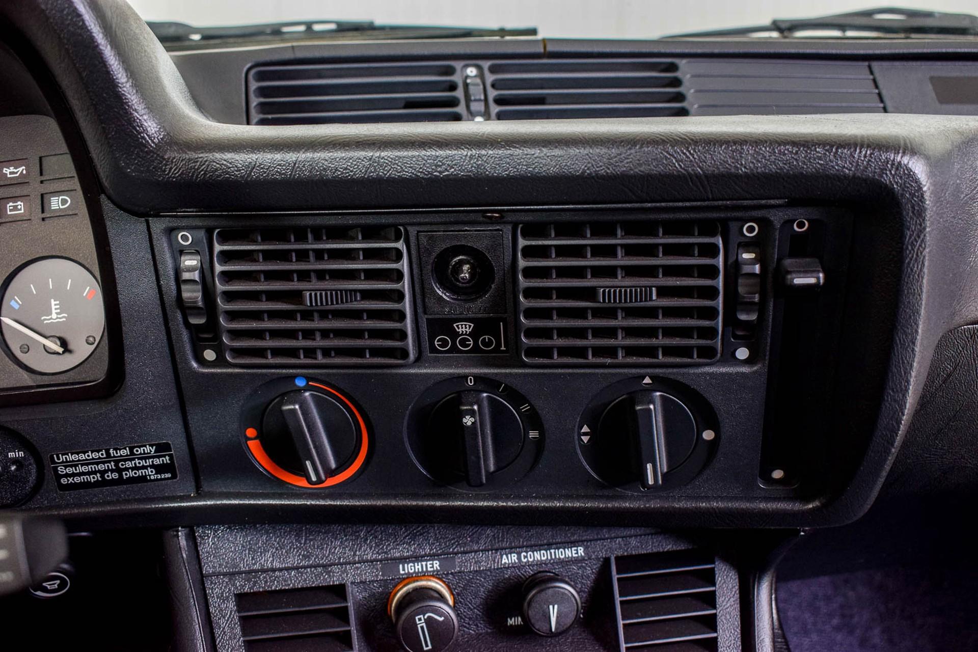 BMW 3 Serie 320i Foto 44