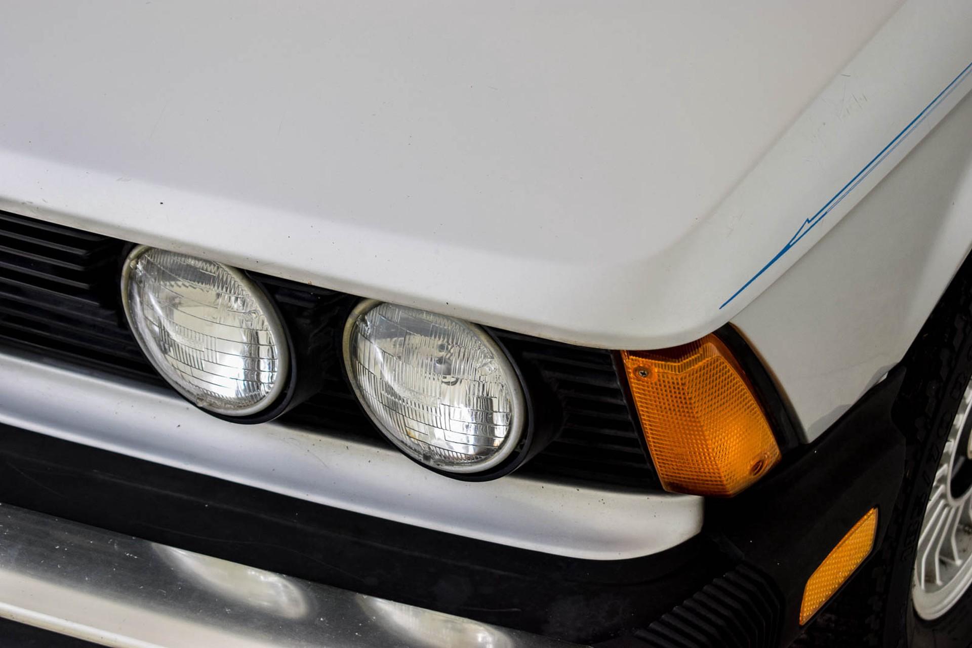 BMW 3 Serie 320i Foto 48