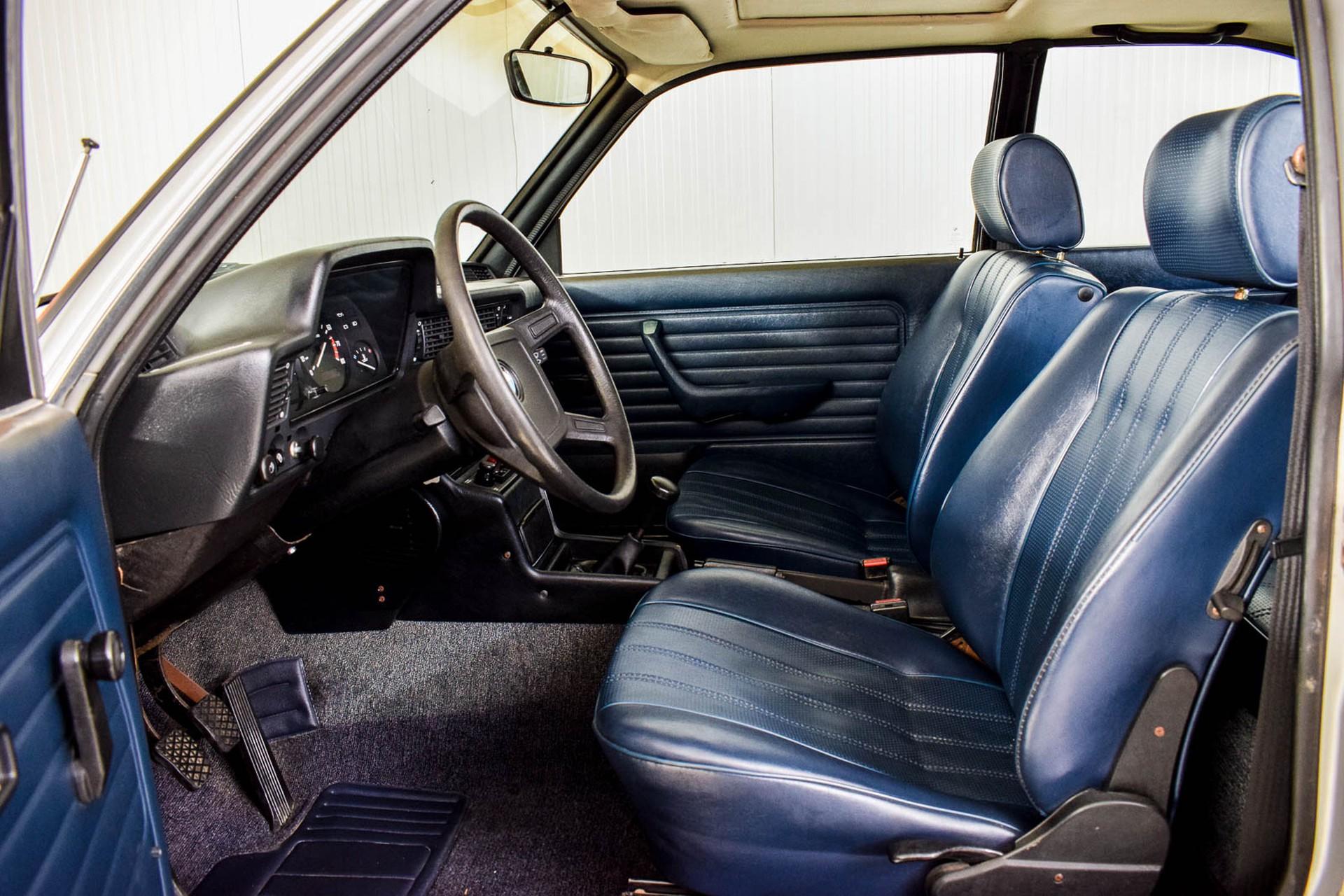 BMW 3 Serie 320i Foto 5