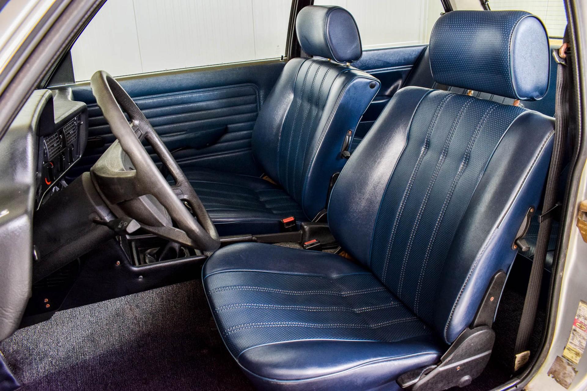 BMW 3 Serie 320i Foto 55