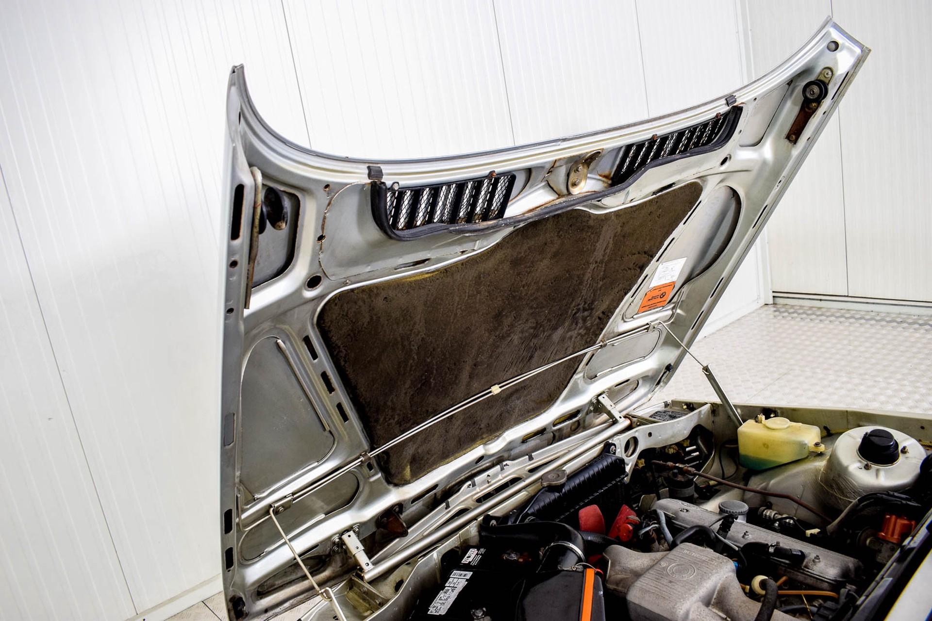 BMW 3 Serie 320i Foto 58