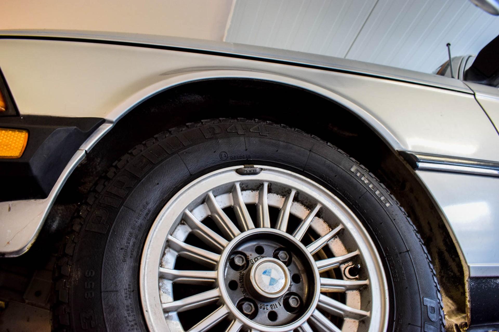 BMW 3 Serie 320i Foto 68