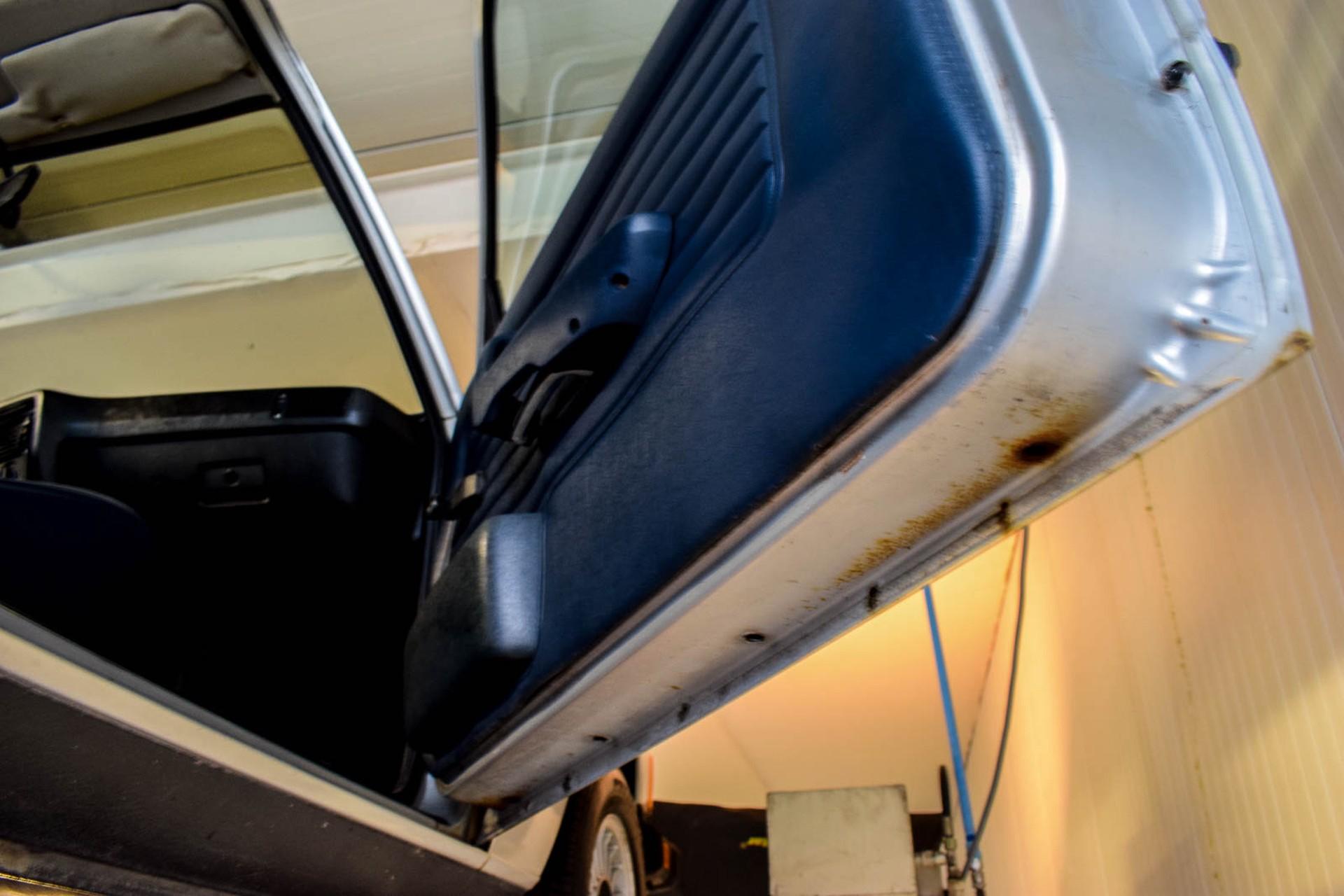 BMW 3 Serie 320i Foto 71