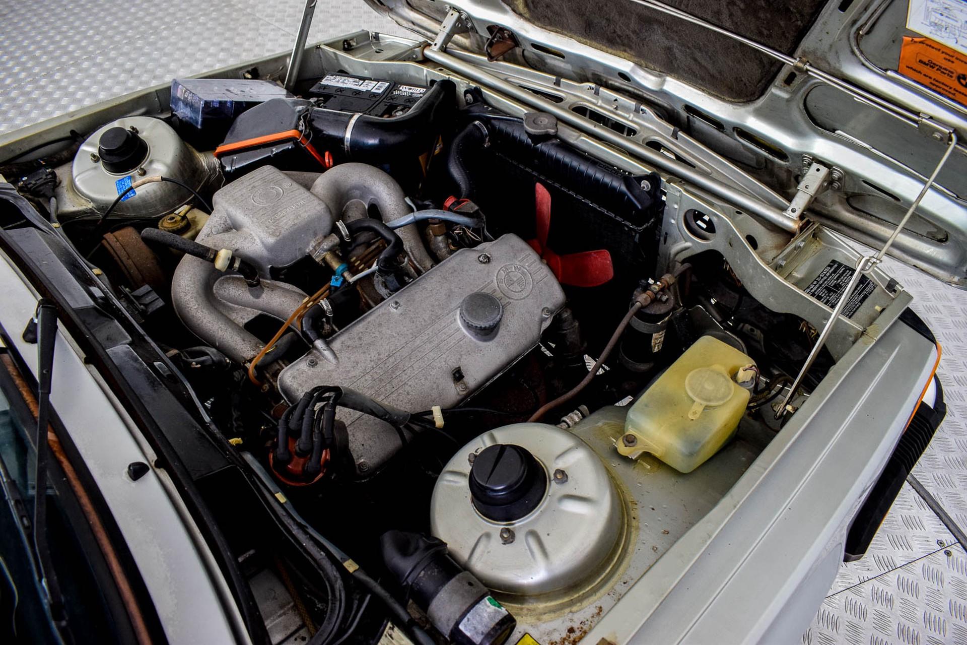 BMW 3 Serie 320i Foto 8