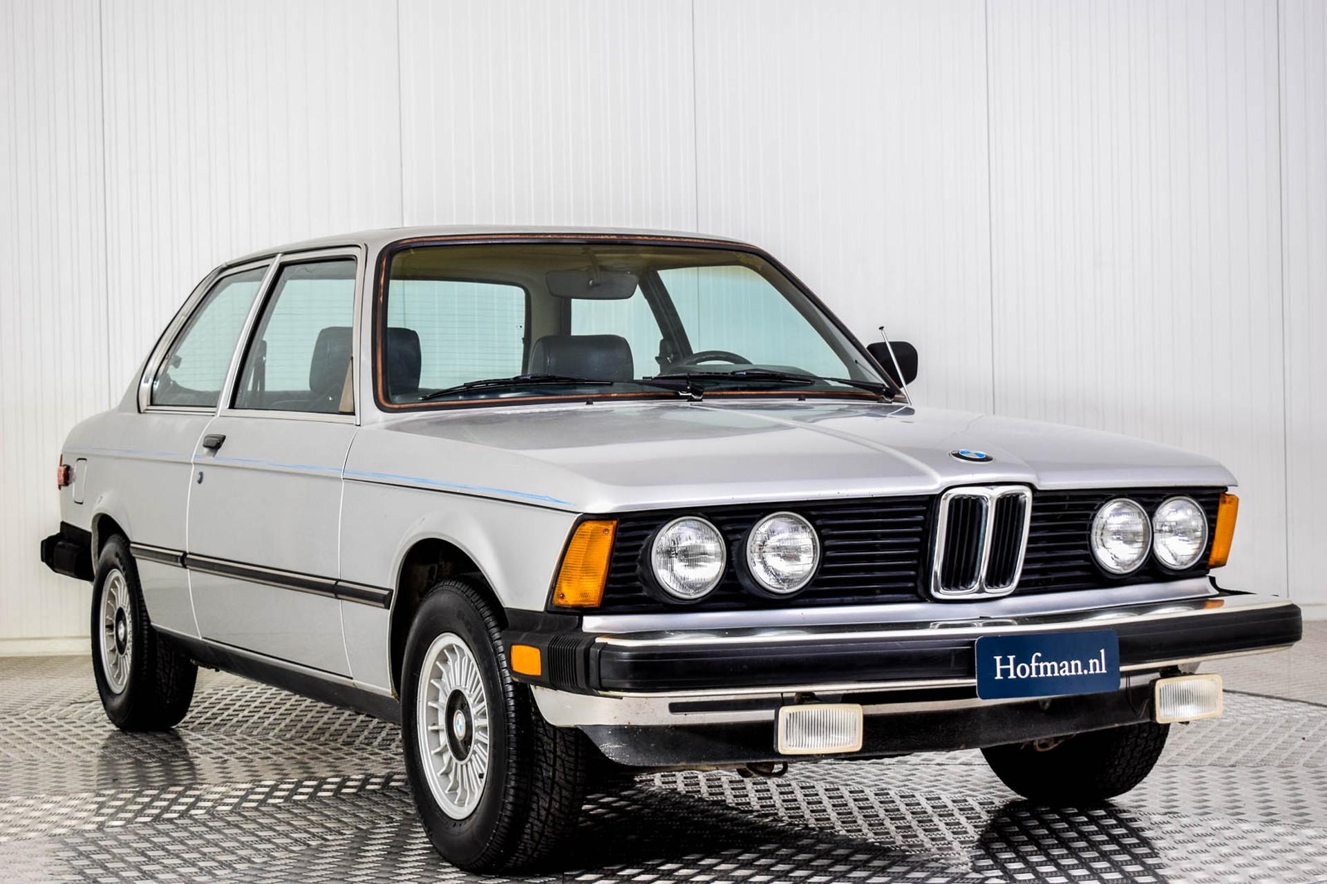 BMW 3 Serie 320i Foto 9